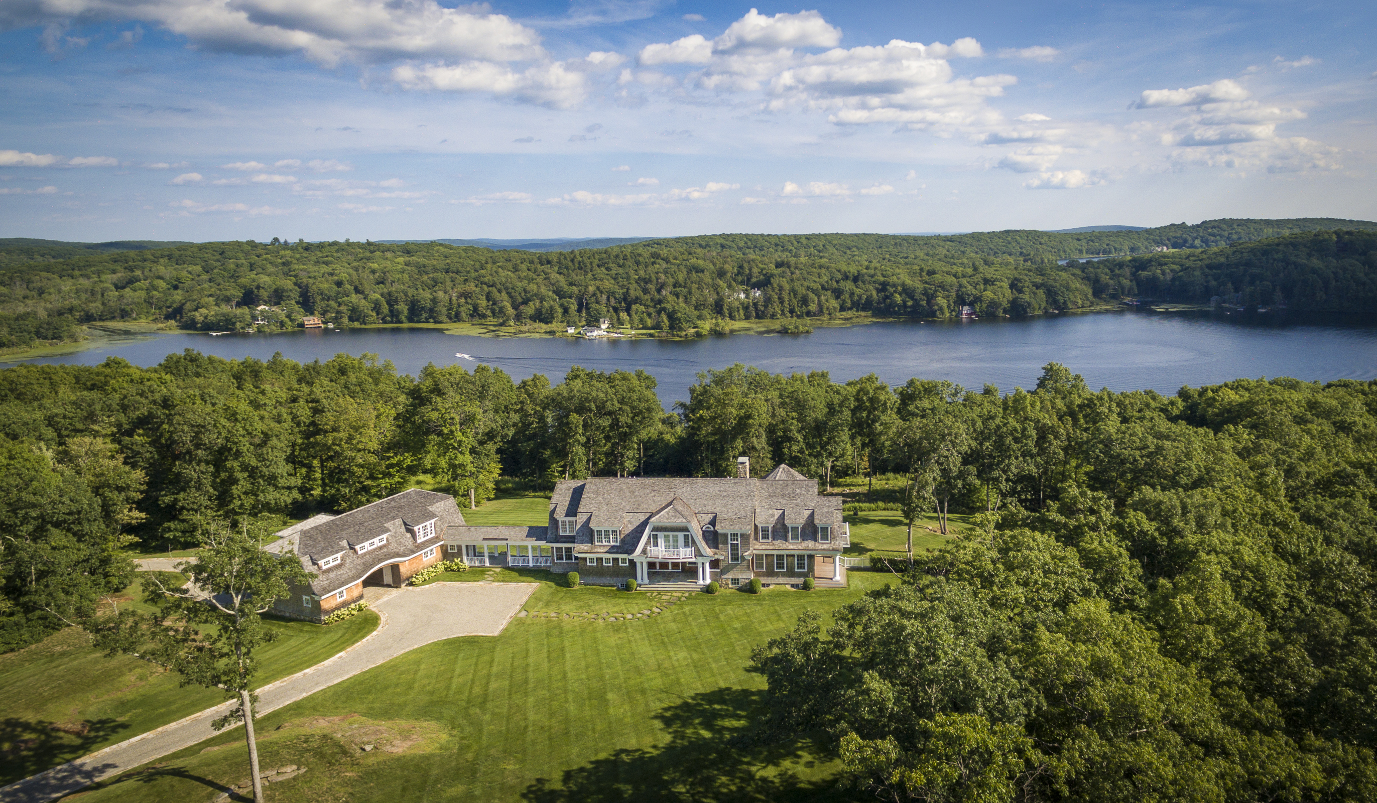 Single Family Home for Sale at New England Lake House 200 Kenmont Rd Kent, Connecticut, 06757 United States