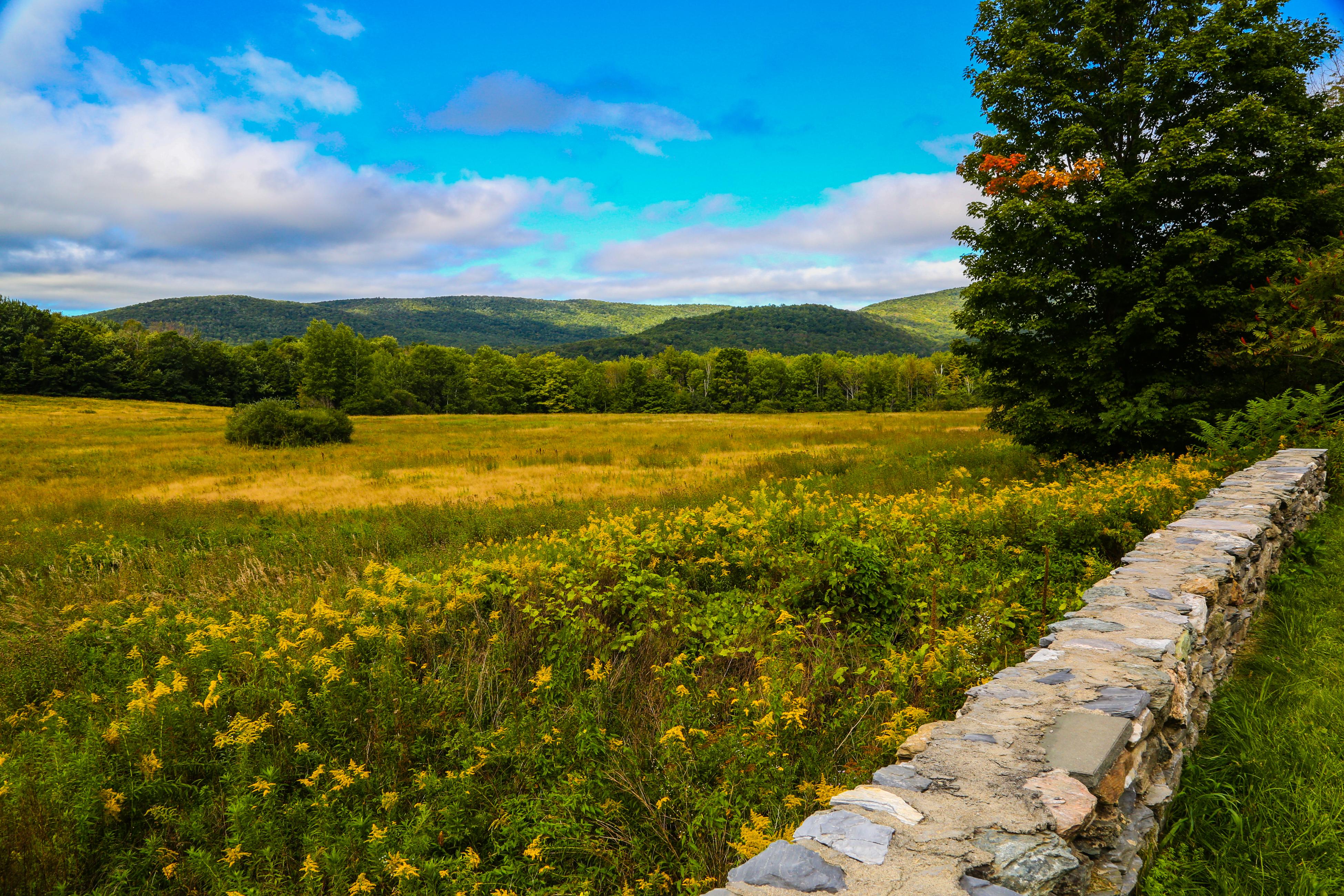 Maison unifamiliale pour l Vente à Greek Revival Farm with Barns and Views on 160 Acres 246 Whitman Rd Hancock, Massachusetts 01237 États-Unis