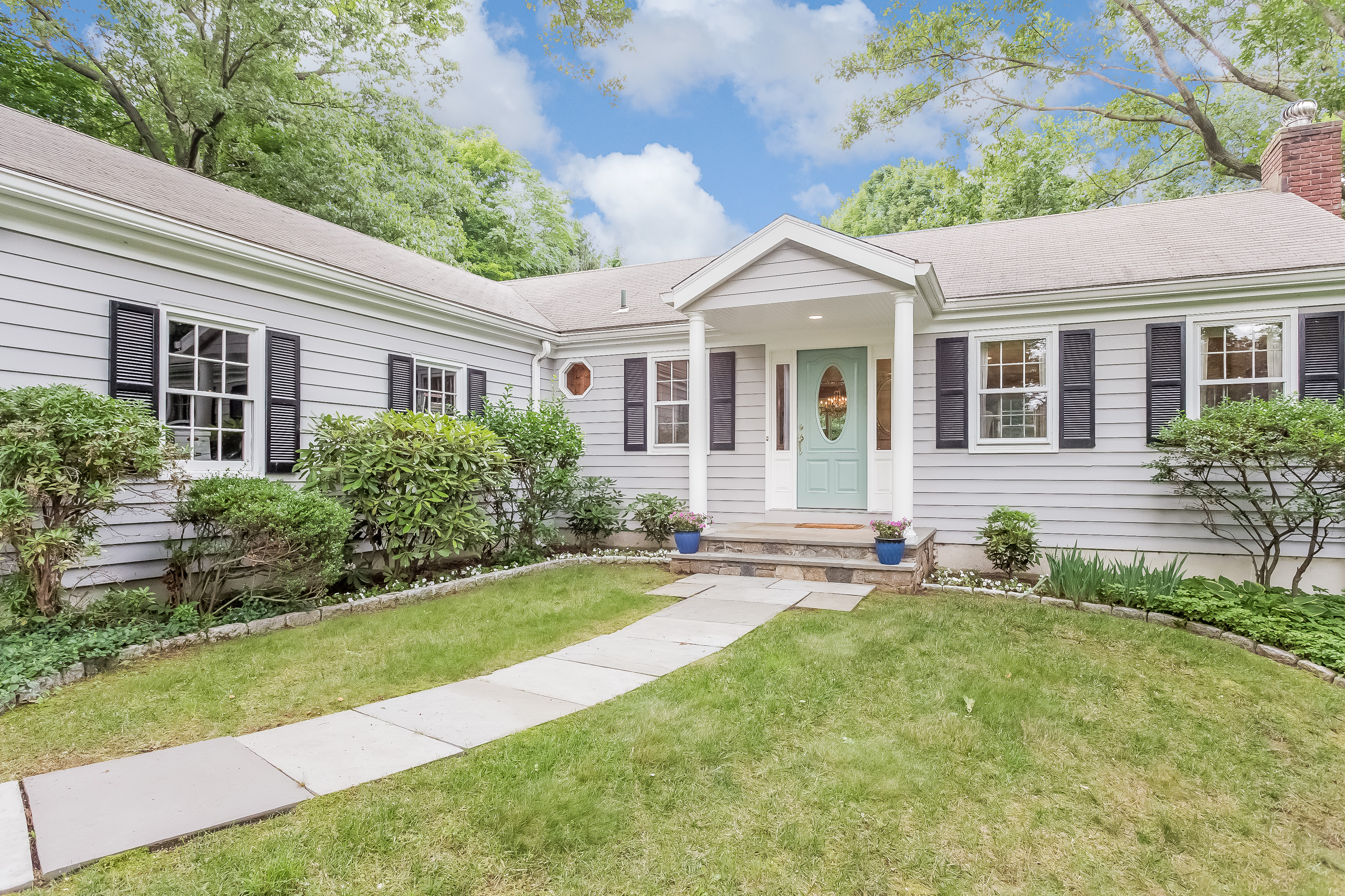 Single Family Home for Sale at 332 Rowayton Avenue Rowayton, Norwalk, Connecticut 06853 United States