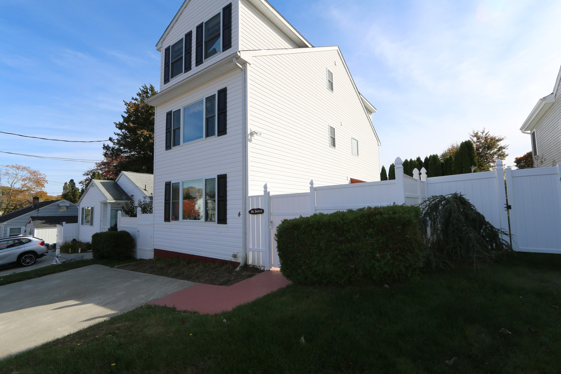 Single Family Home for Sale at Walk to Ocean Beach 4 Woodbine Street Waterford, Connecticut, 06385 United States