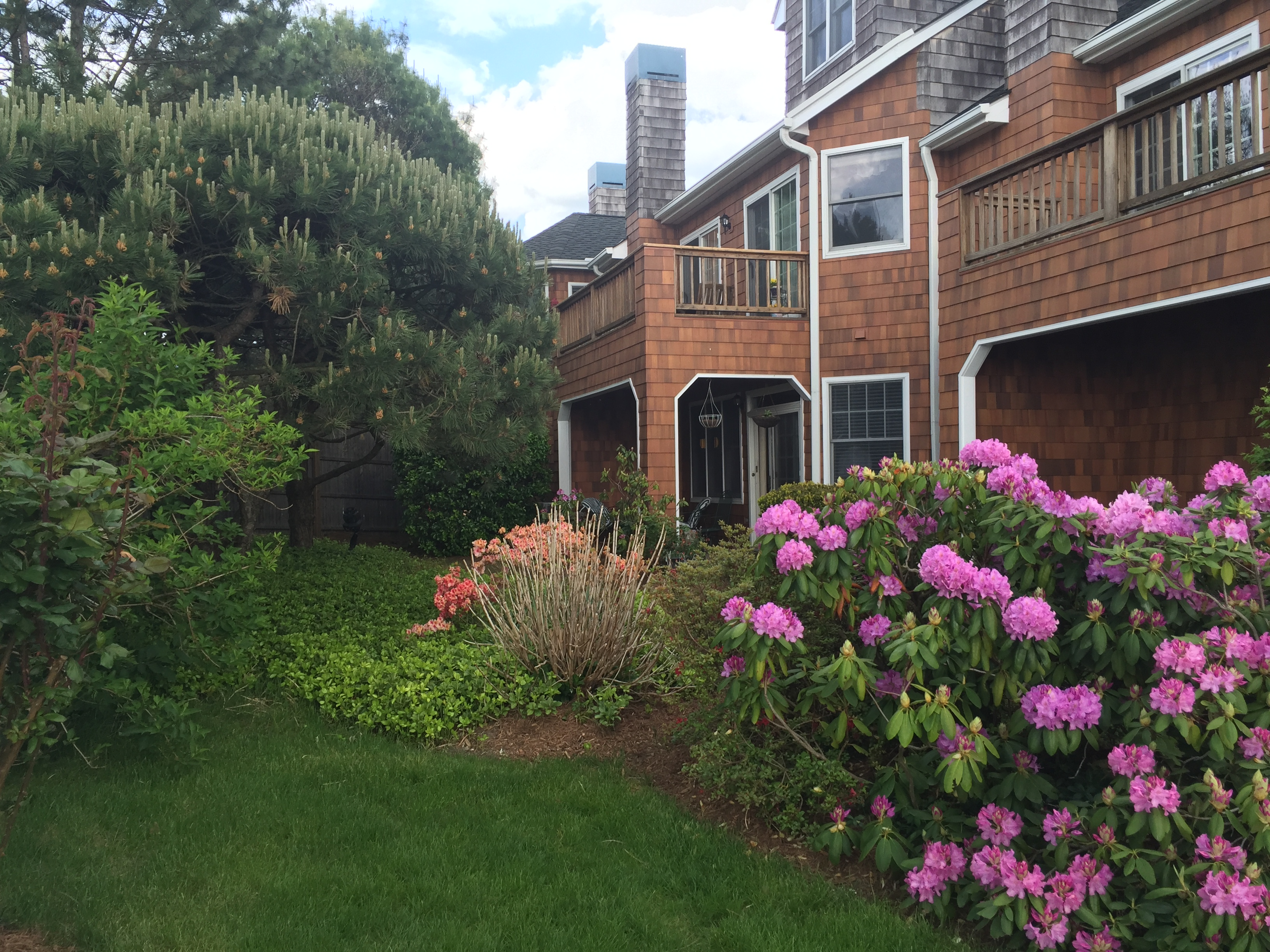 Condominium for Sale at Experience resort style living! 101 Half Moon Bay Drive 101 Croton On Hudson, New York, 10520 United States