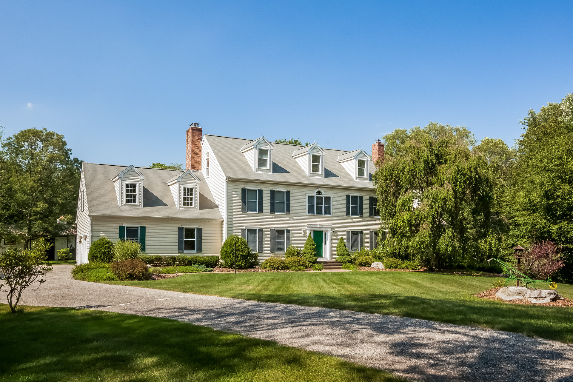 Nhà ở một gia đình vì Bán tại 60 Stonehill Dr Killingworth, Connecticut 06419 Hoa Kỳ