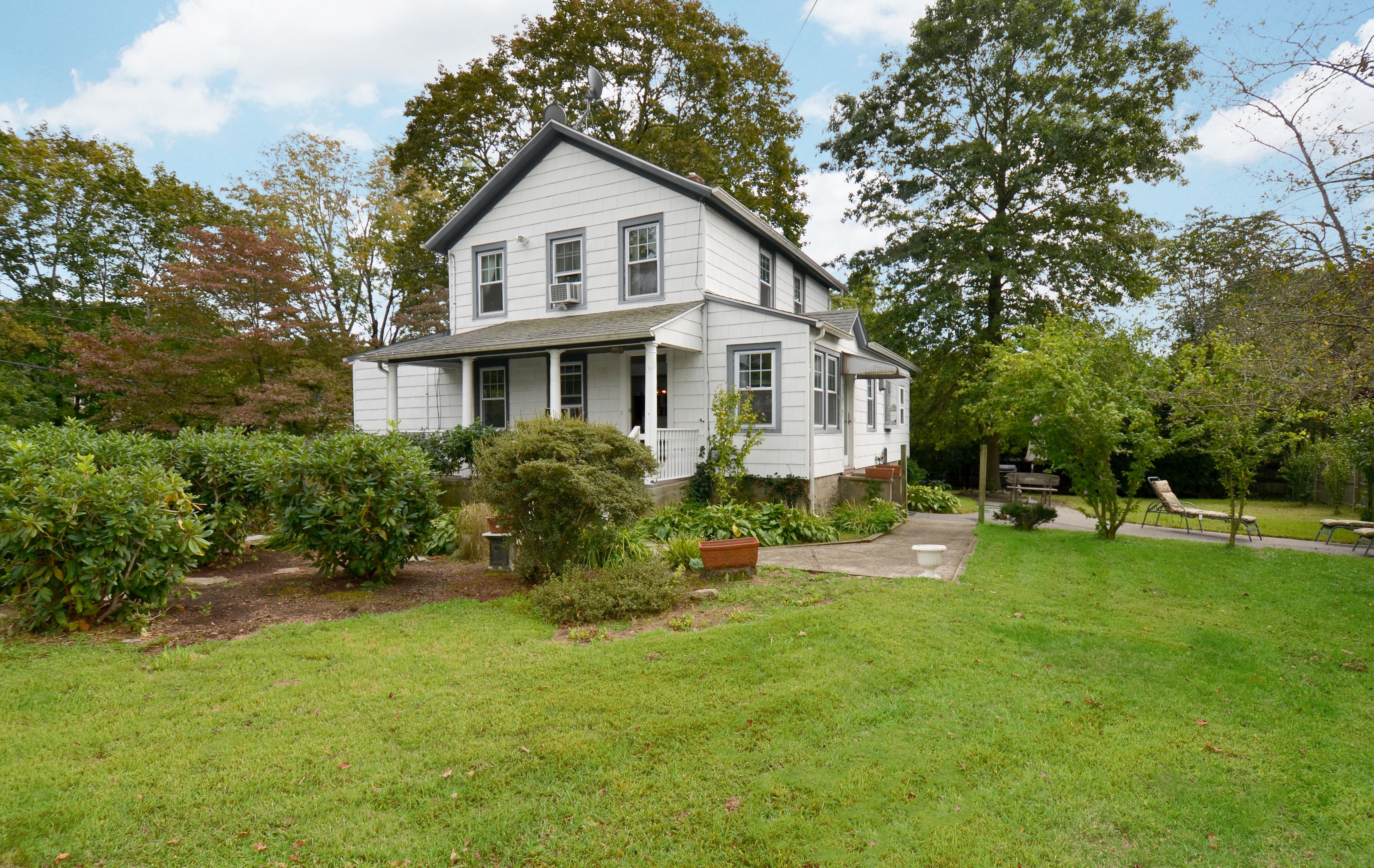 rentals property at Charming Rental
