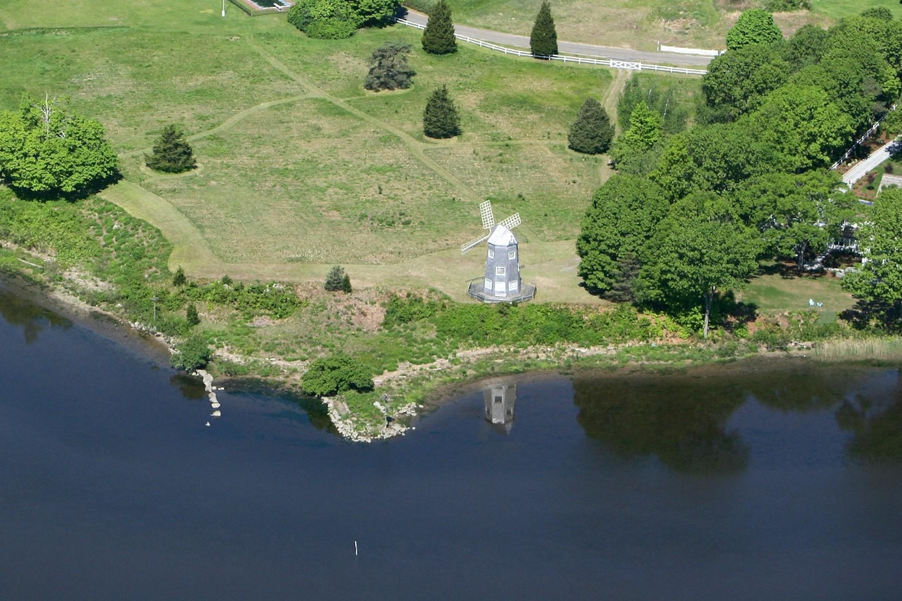 土地 为 销售 在 Waterfront Building Lot 5 Foxboro Rd Essex, 康涅狄格州 06426 美国