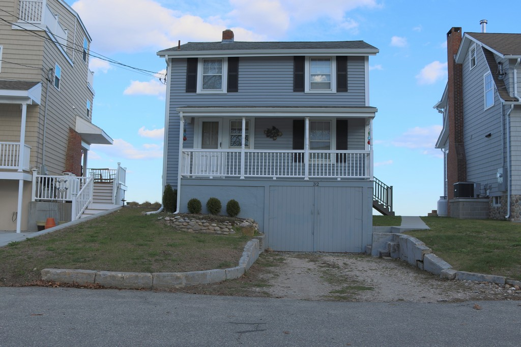 Single Family Home for Sale at Waterfront 32 Shore Road East Lyme, Connecticut 06357 United States