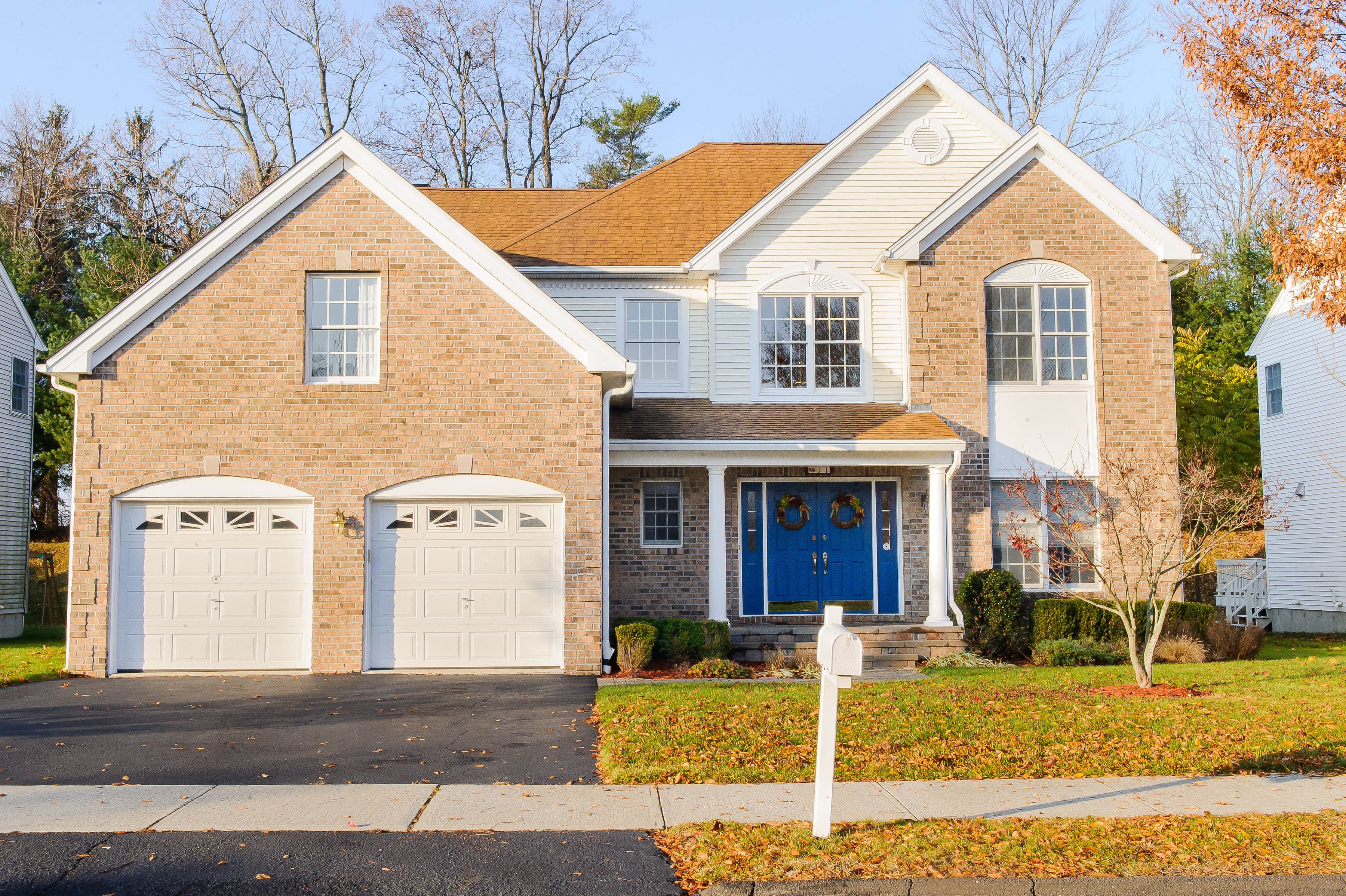Single Family Home for Sale at Beautifully Maintained Colonial 11 Ashley Court Danbury, Connecticut 06810 United States