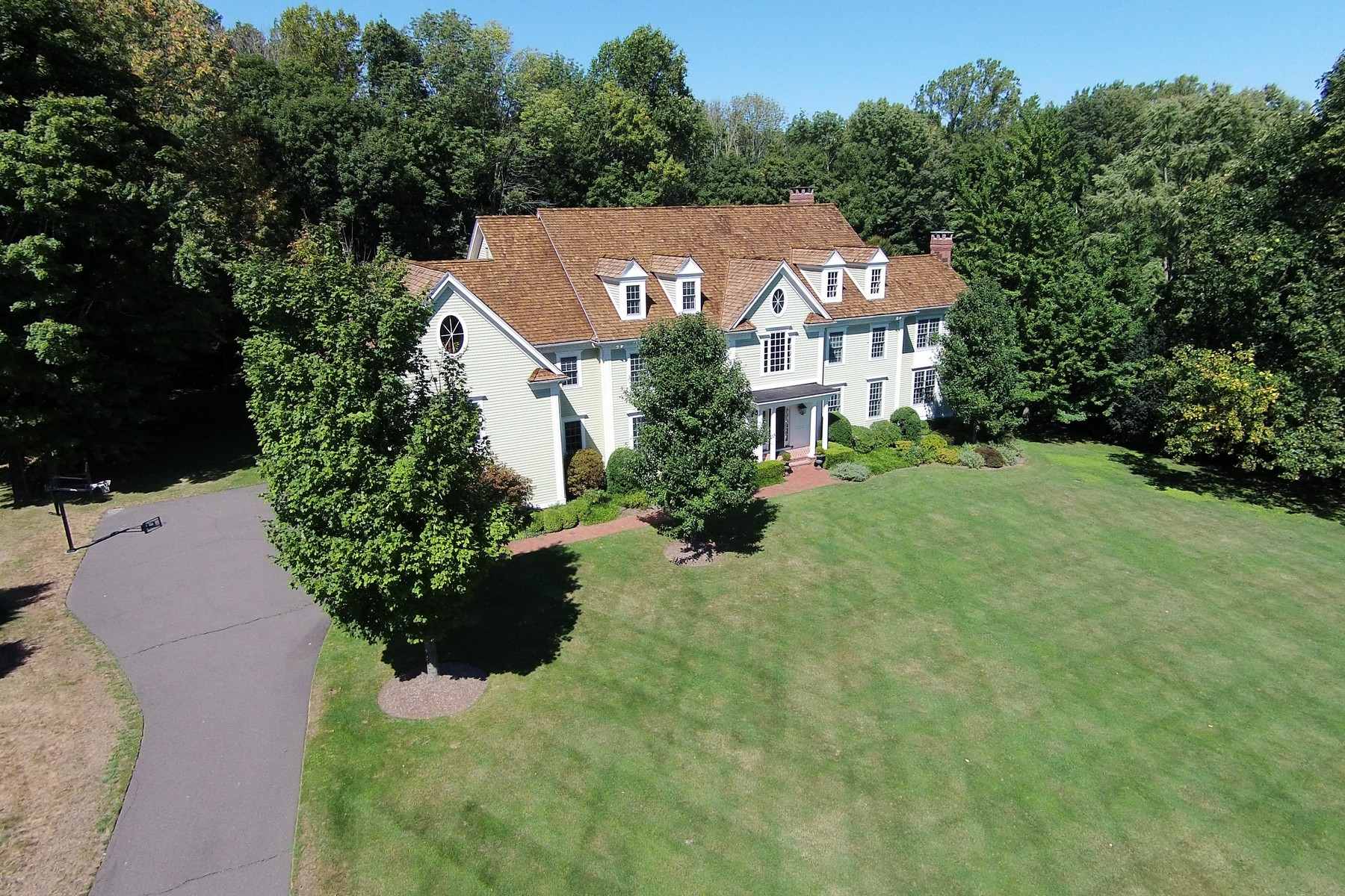 Single Family Home for Sale at BURRWOOD COMMON 70 Burrwood Common Fairfield, Connecticut 06824 United States