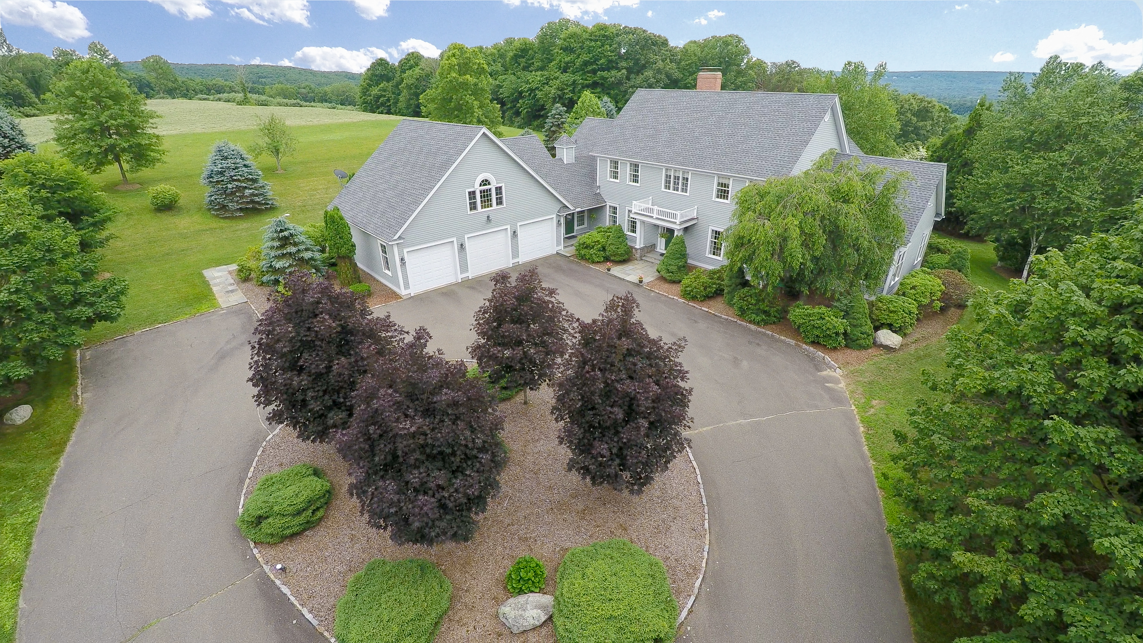 Maison unifamiliale pour l Vente à Exclusive Estate 162 Middle Road Tpke Woodbury, Connecticut, 06798 États-Unis
