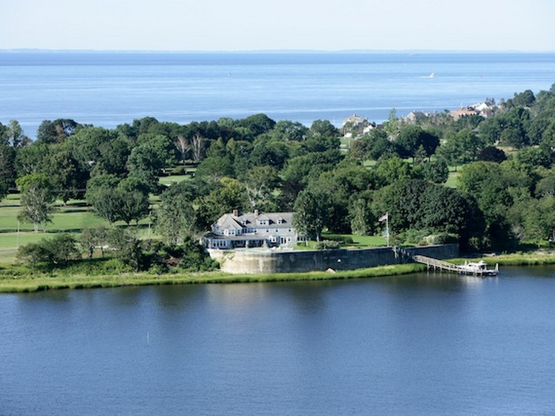 Casa Unifamiliar por un Venta en Waterfront Property with Dock 20 Nibang Avenue Old Saybrook, Connecticut 06475 Estados Unidos