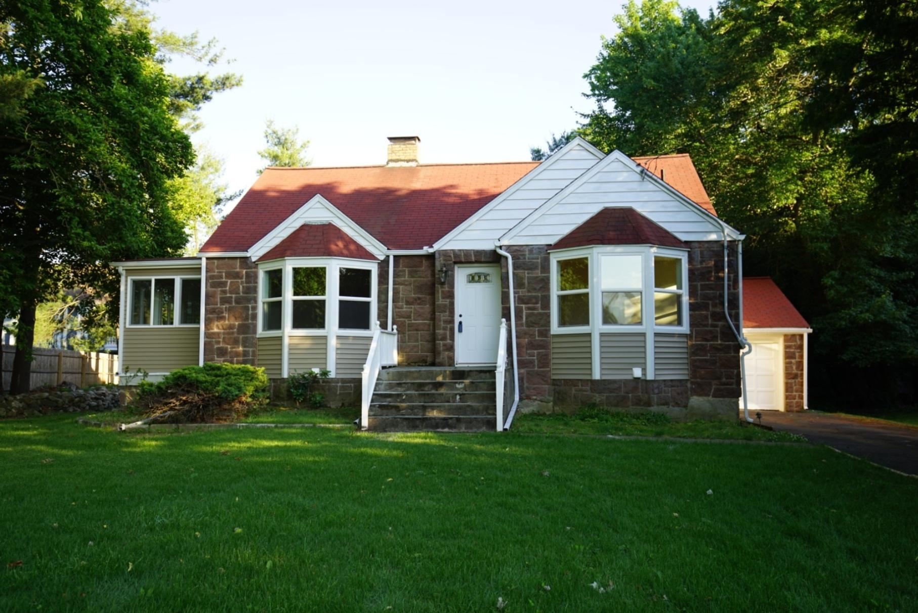 단독 가정 주택 용 매매 에 Storybook Stone Cape 24 Mills Street Westport, 코네티컷, 06880 미국