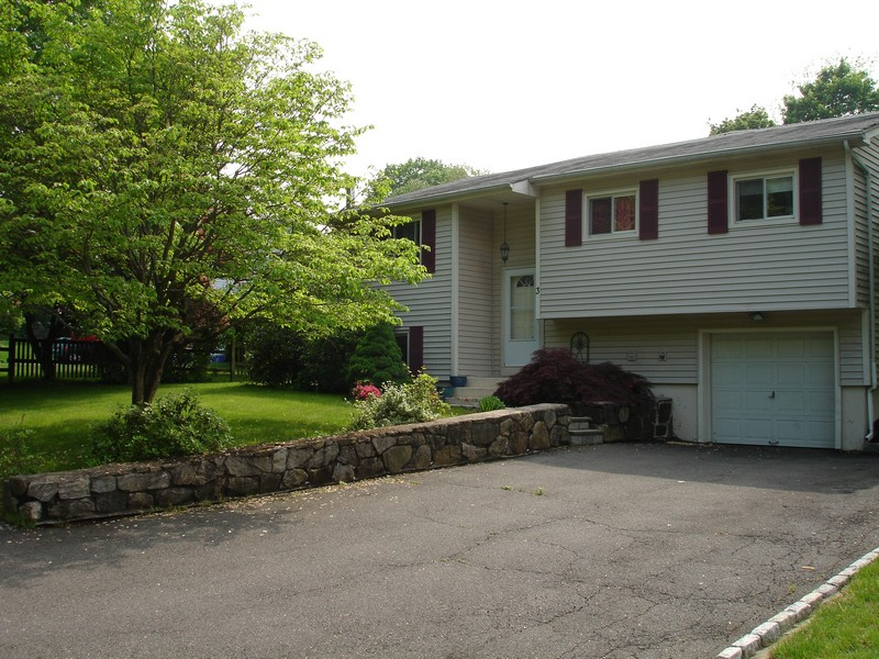 Single Family Home for Sale at Cul-De-Sac Location 3 Country Club Road Norwalk, Connecticut 06851 United States