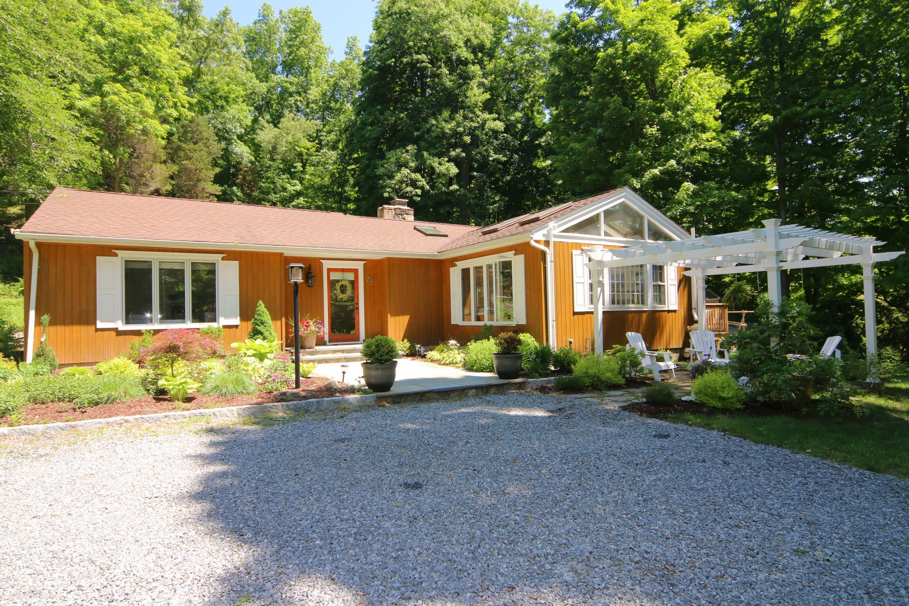 Single Family Home for Sale at Like New Modern Ranch 28 Cooper Hill Road Ridgefield, Connecticut 06877 United States