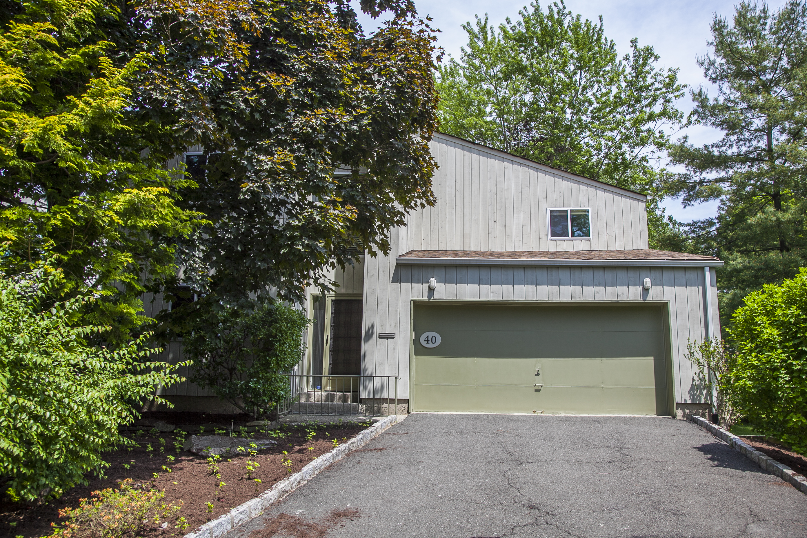 Single Family Home for Sale at 40 Talcott Road Rye Brook, New York, 10573 United States