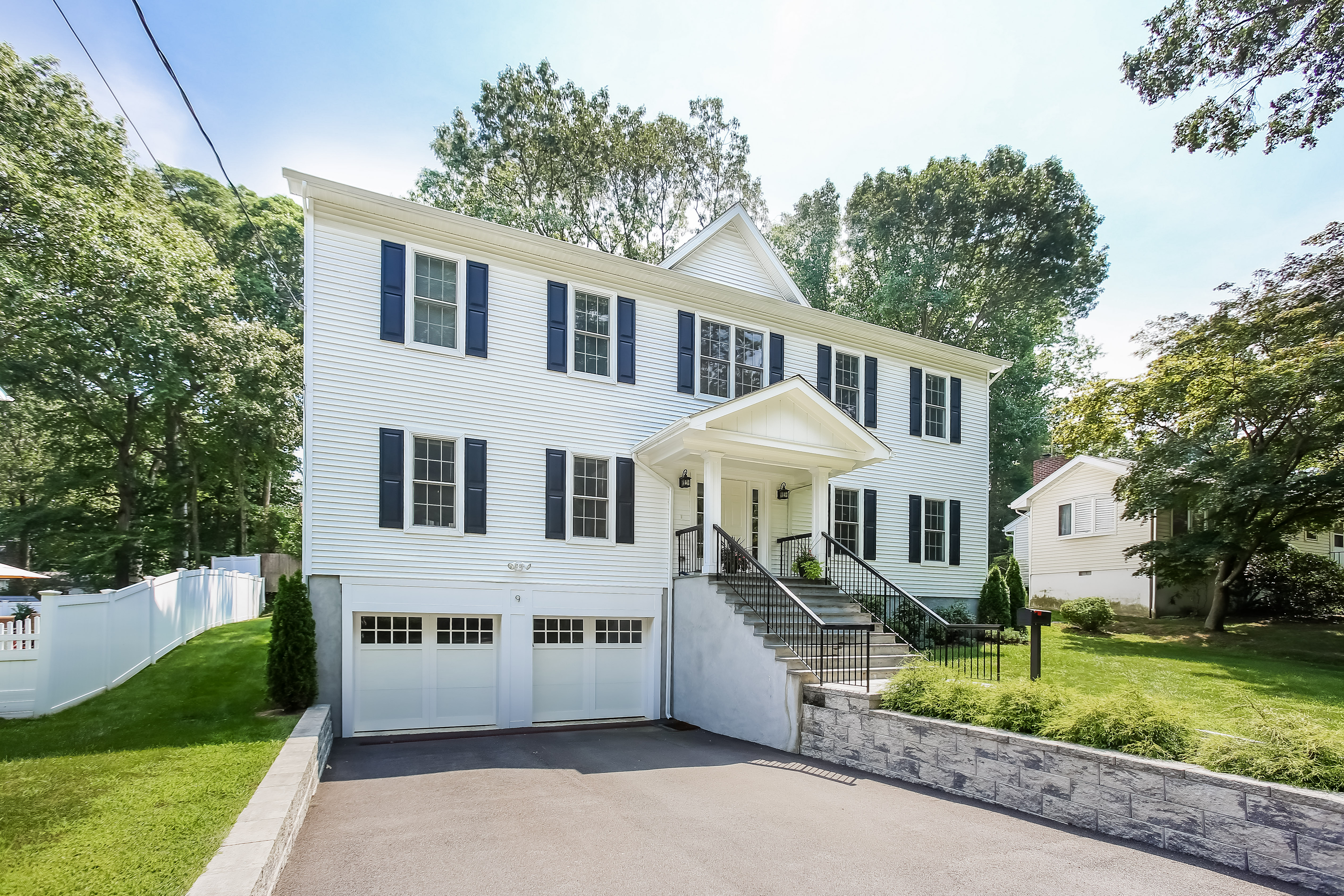 Single Family Home for Sale at 9 Lockwood Place Harrison, New York, 10528 United States