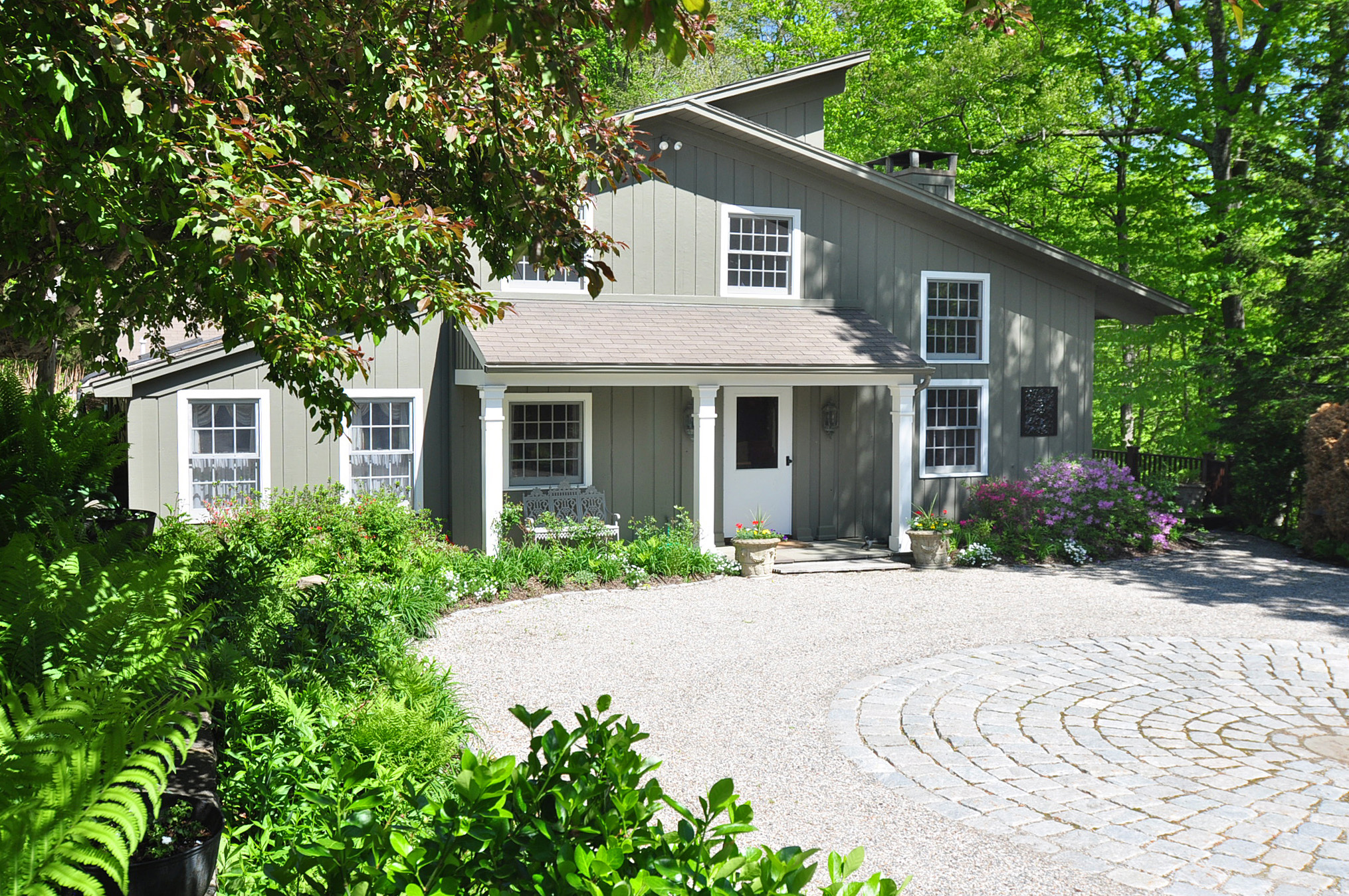 Single Family Home for Sale at Stylish Country Home 67 Squire Road Roxbury, Connecticut, 06783 United States