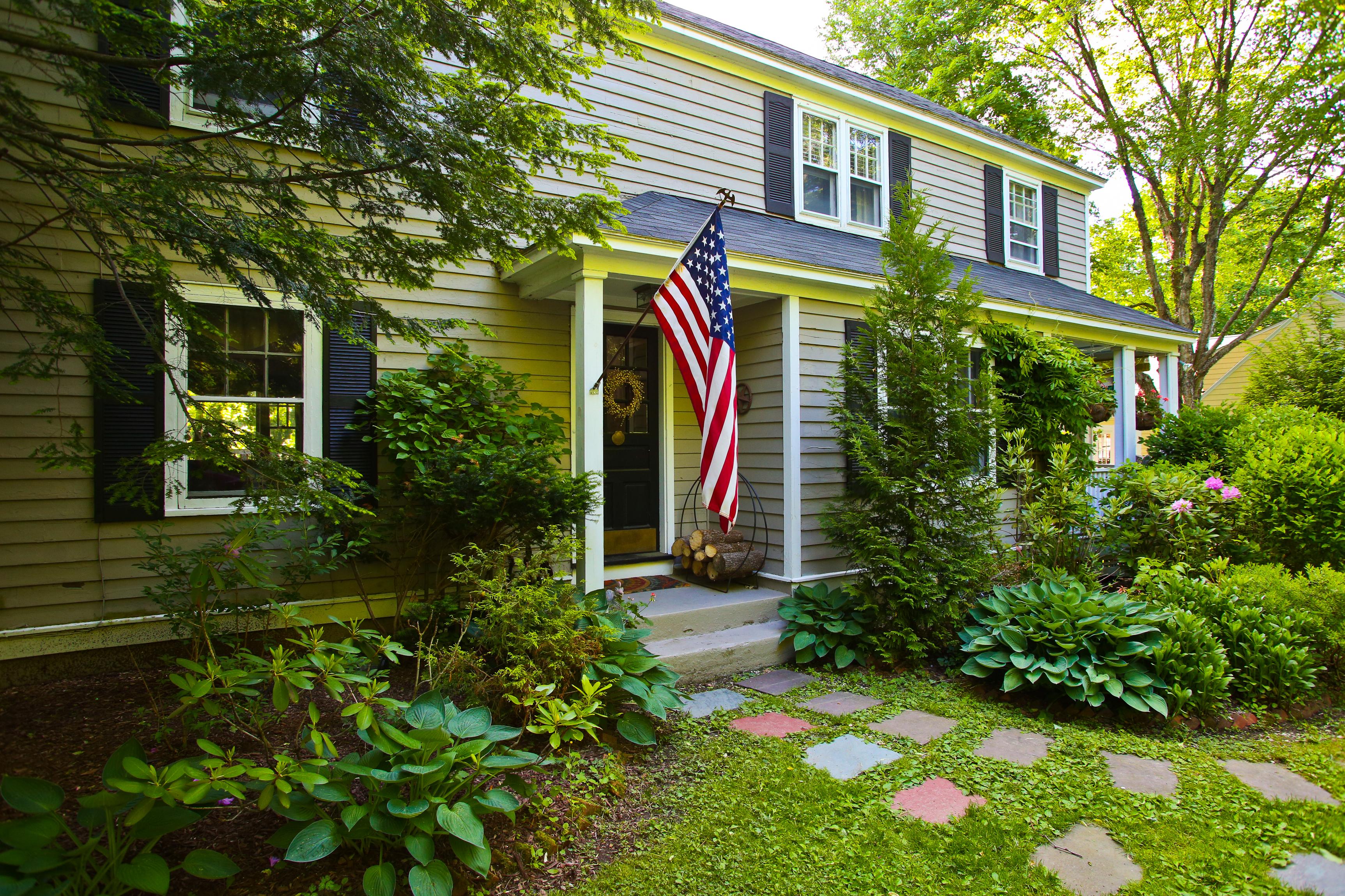 獨棟家庭住宅 為 出售 在 Lenox Farmhouse 106 Old Stockbridge Rd Lenox, 麻塞諸塞州, 01240 美國