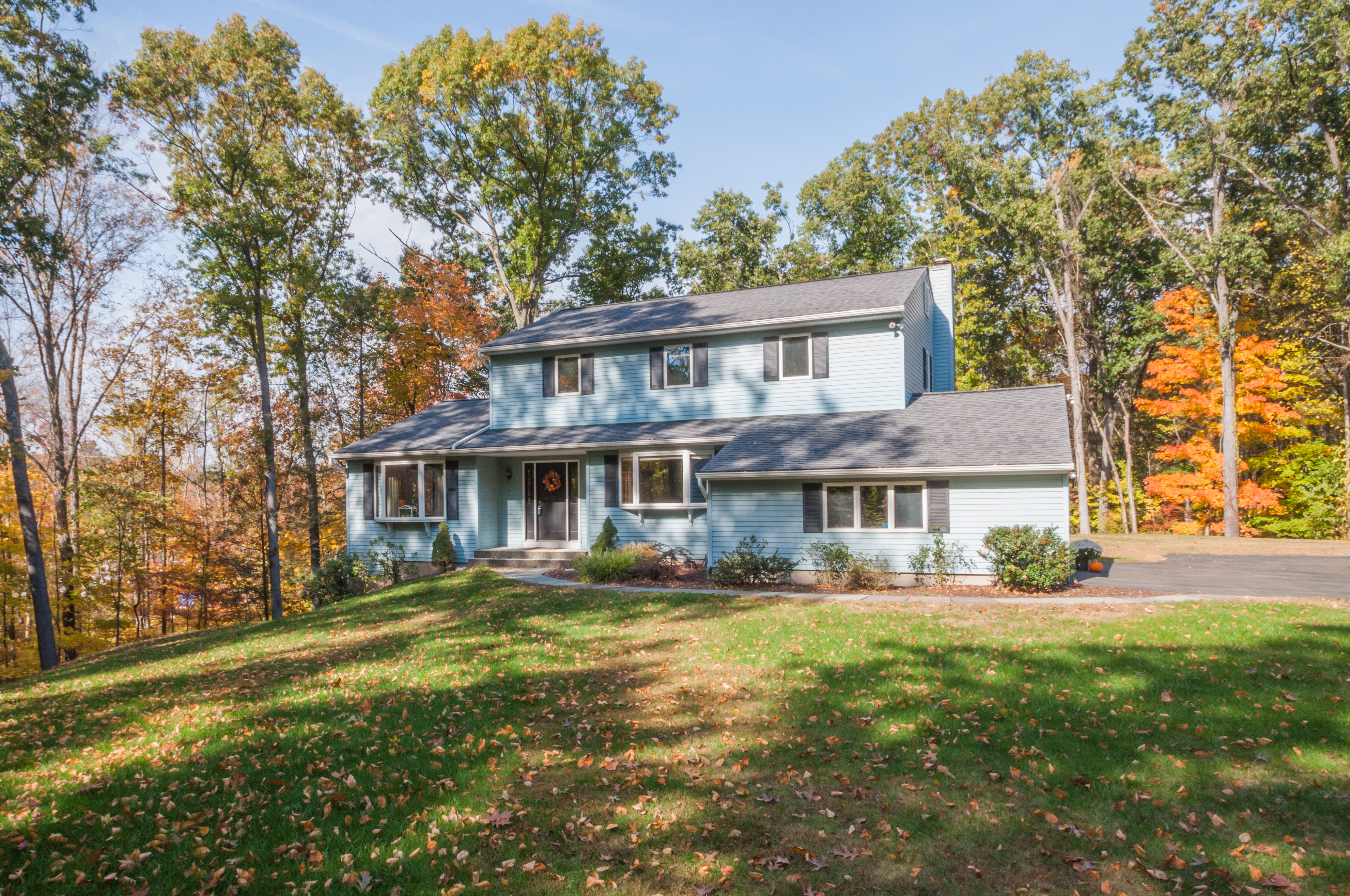 Single Family Home for Sale at Updated Colonial 37 40 Acre Mountain Road Danbury, Connecticut 06811 United States