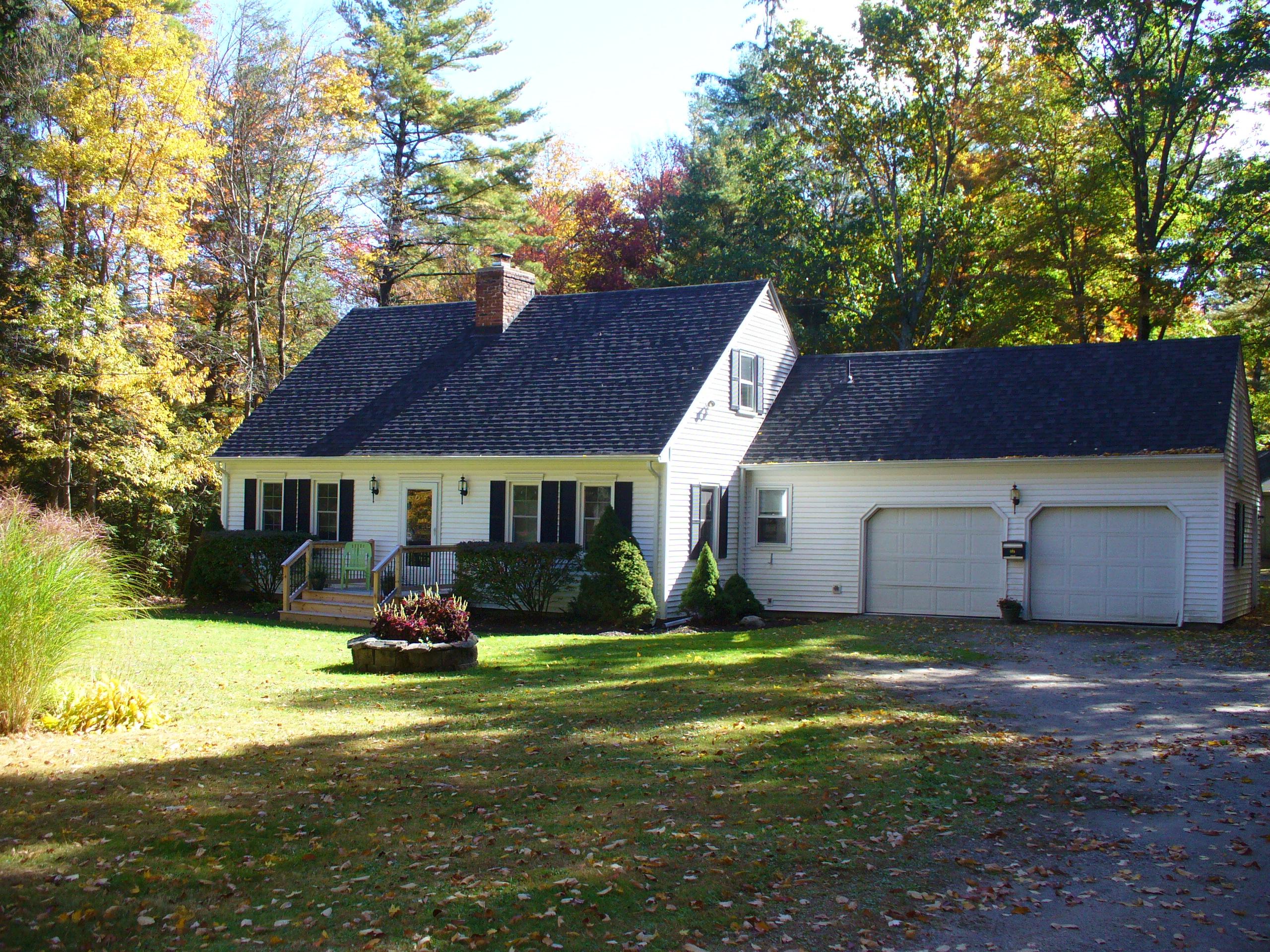 Moradia para Venda às Updated Goshen Cape on 4 Acres. 287 Sharon Tpke Goshen, Connecticut, 06756 Estados Unidos