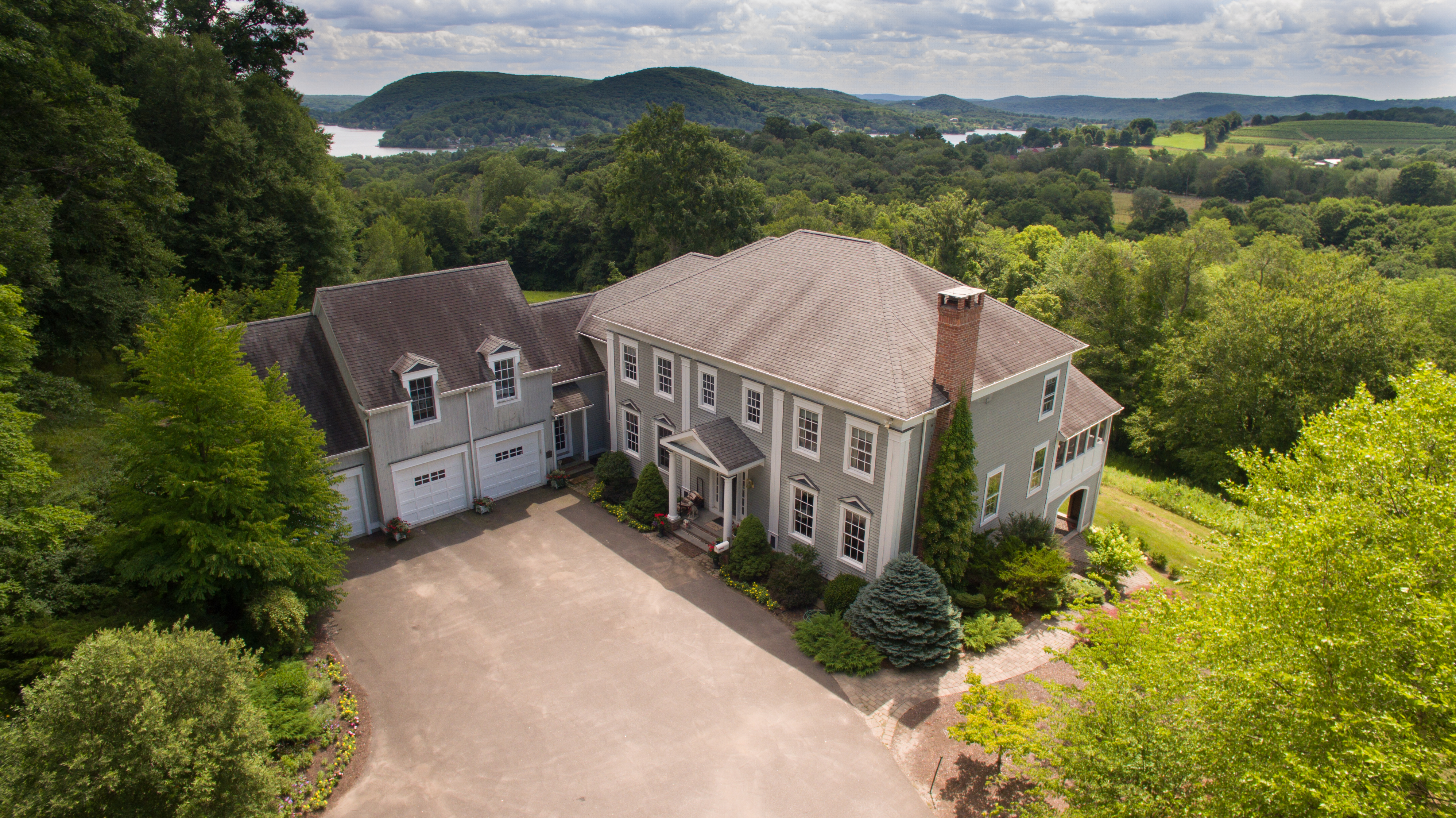 Tek Ailelik Ev için Satış at Waramaug Manor 293 Lake Road Warren, Connecticut 06777 Amerika Birleşik Devletleri