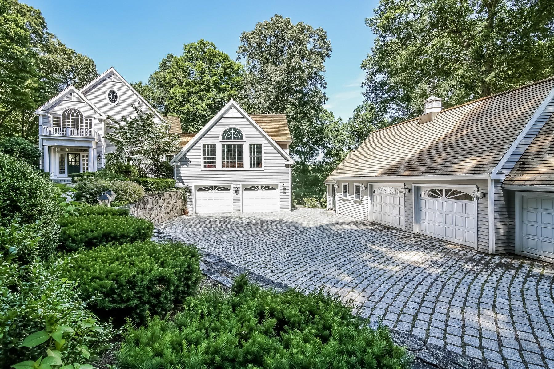 Nhà ở một gia đình vì Bán tại Intriguing Colonial with Reservoir Views 222 Nod Hill Road Wilton, Connecticut, 06897 Hoa Kỳ