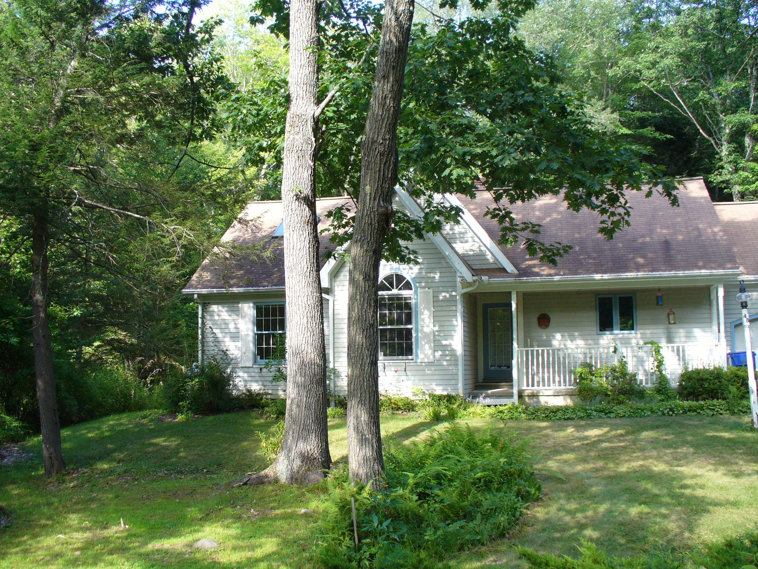 Частный односемейный дом для того Продажа на Woodridge Lake West Side 48 Cornwall Dr Goshen, Коннектикут 06756 Соединенные Штаты