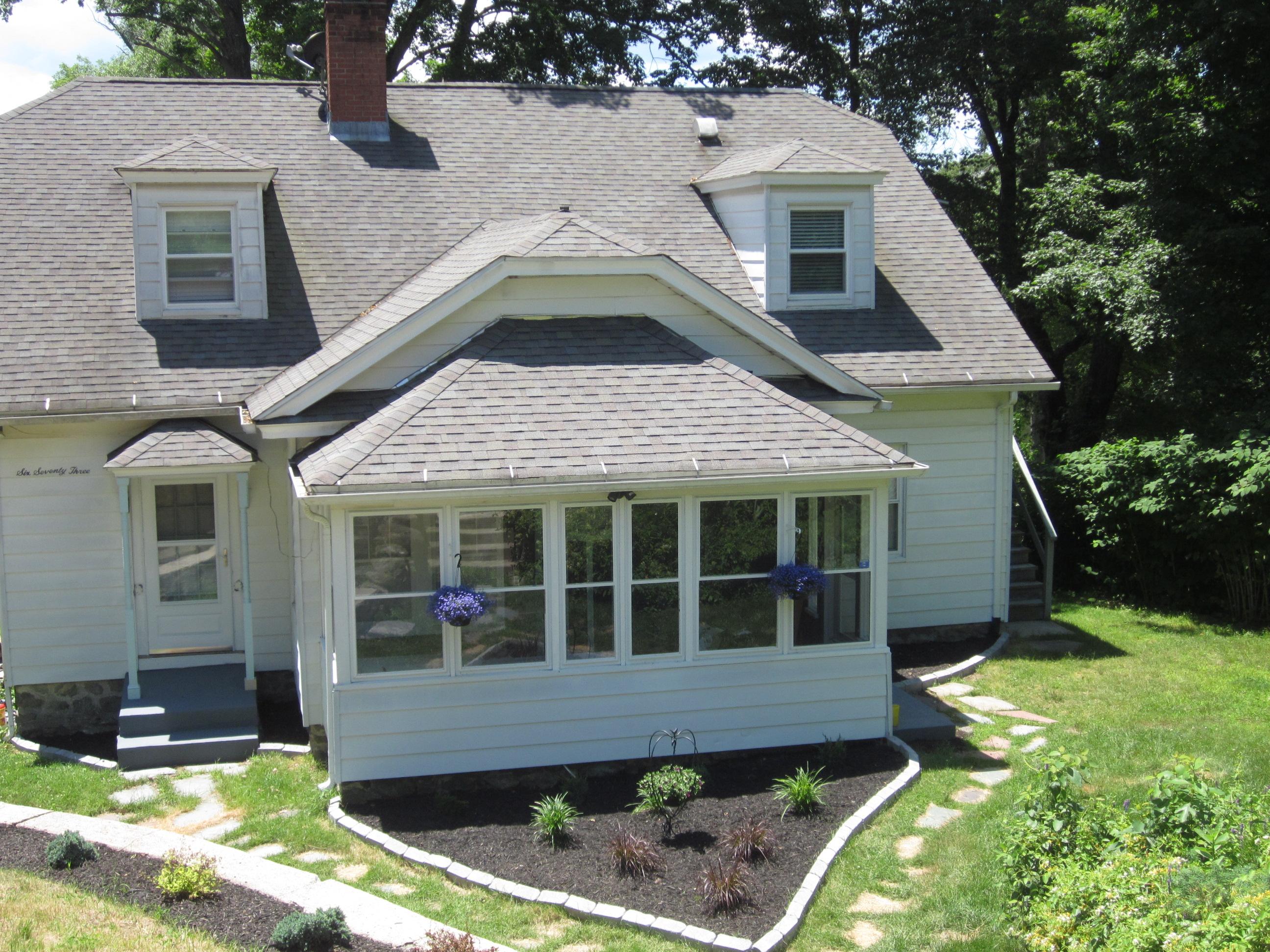 Maison multifamiliale pour l Vente à 673 Park Rd Waterbury, Connecticut, 06708 États-Unis