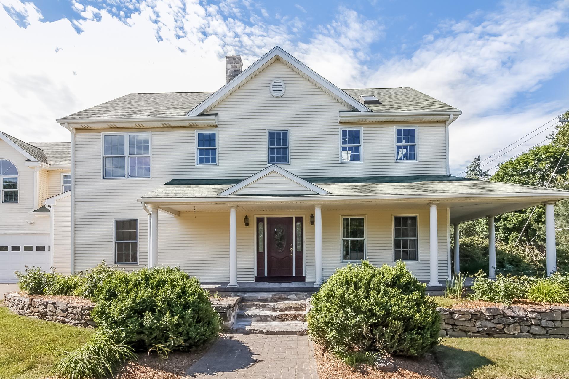 Einfamilienhaus für Verkauf beim 236 Boston Post Rd Madison, Connecticut, 06443 Vereinigte Staaten