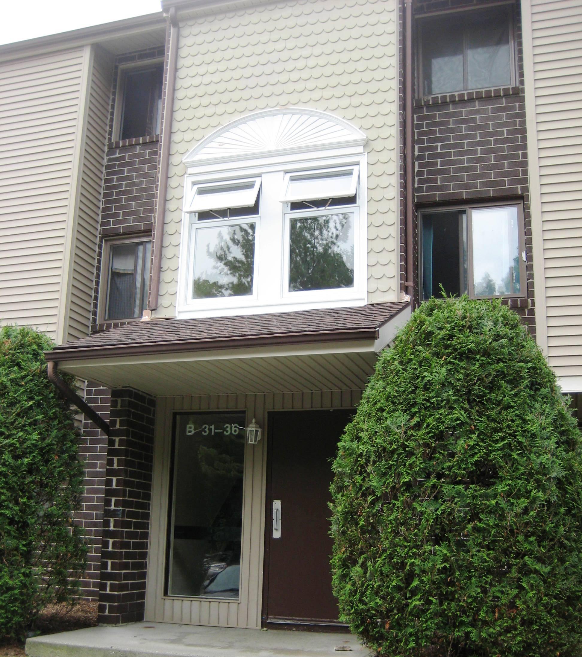 Appartement en copropriété pour l Vente à Well Maintained 2 Bedroom Condo 7 Padanaram Road B32 Danbury, Connecticut, 06811 États-Unis