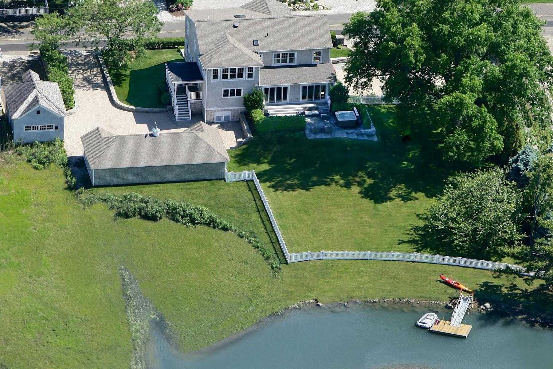 """Maison unifamiliale pour l Vente à """"Approved Dock and Deep Water Mooring"""" 155 Middle Beach Rd Madison, Connecticut 06443 États-Unis"""