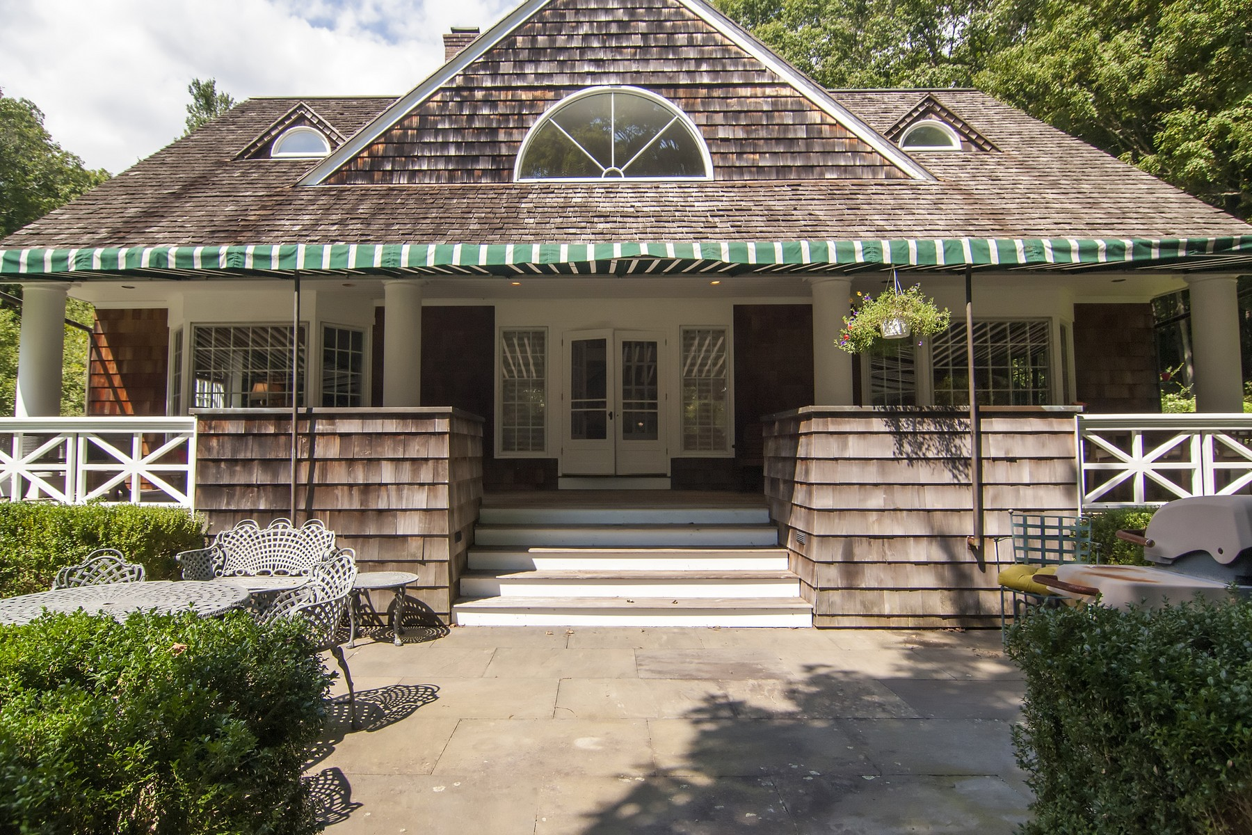 Single Family Home for Sale at Enchanting Home 124 Meadow Woods Road Deep River, Connecticut 06417 United States