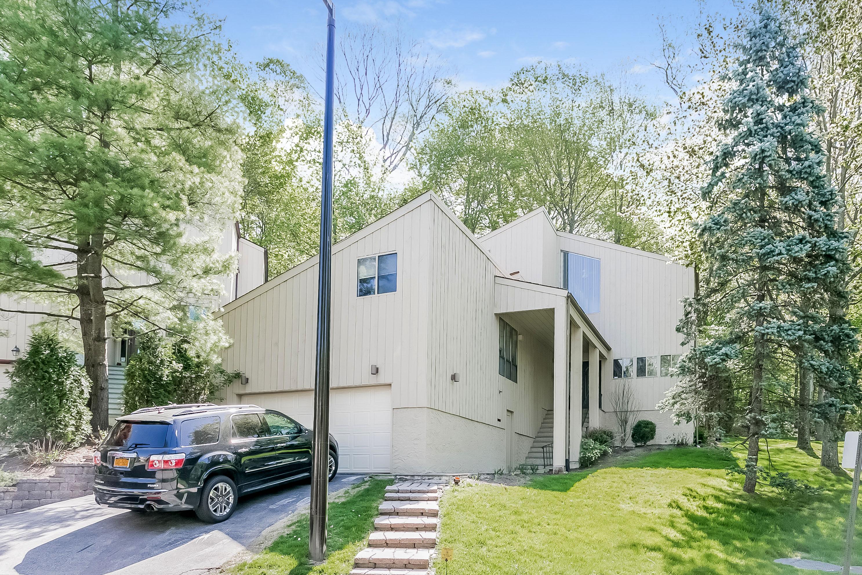 Einfamilienhaus für Verkauf beim Talcott Woods contemporary 3 Talcott Road Rye Brook, New York 10573 Vereinigte Staaten