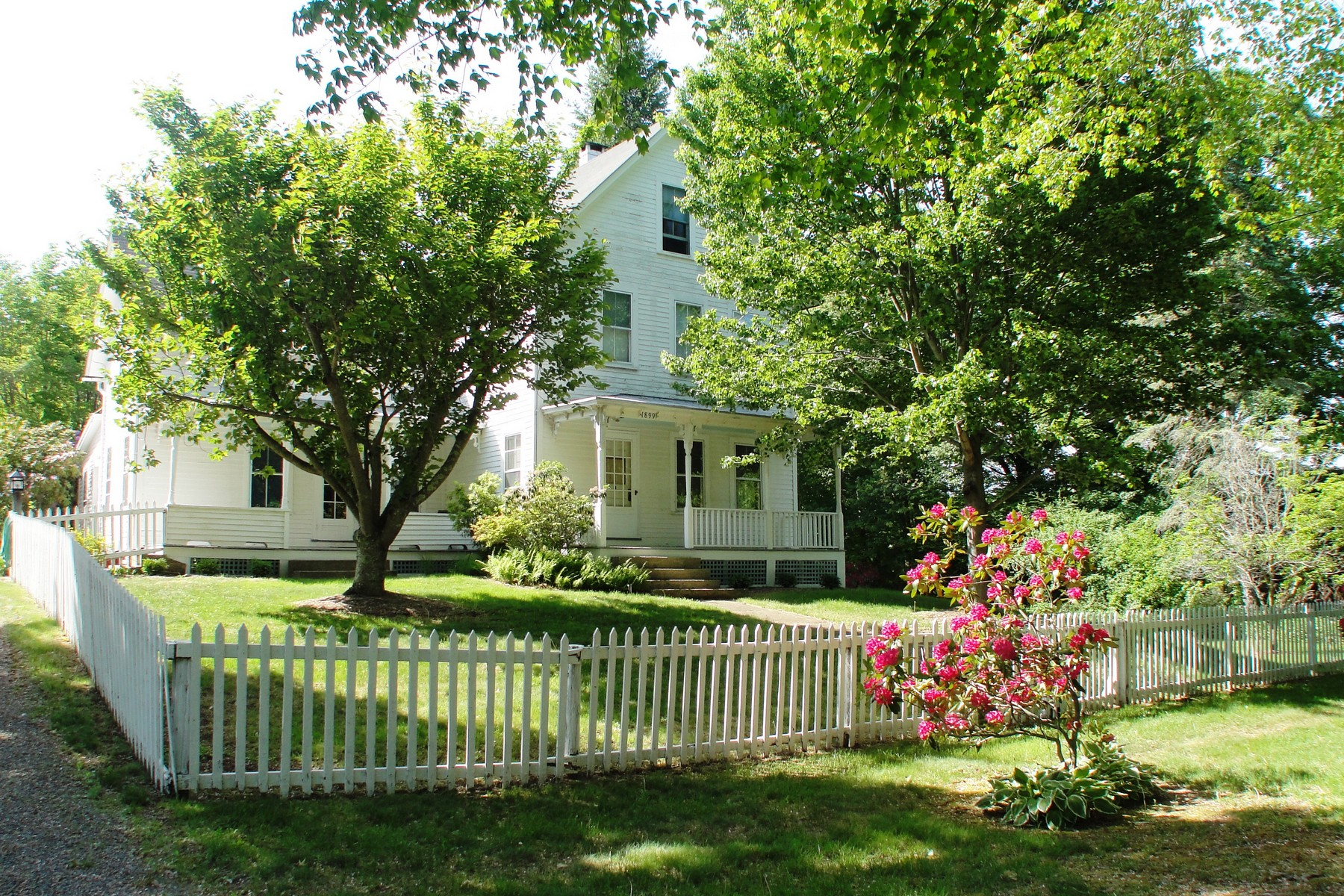 Single Family Home for Sale at Picturesque New England Farm 204 Route 32 Franklin, Connecticut 06254 United States