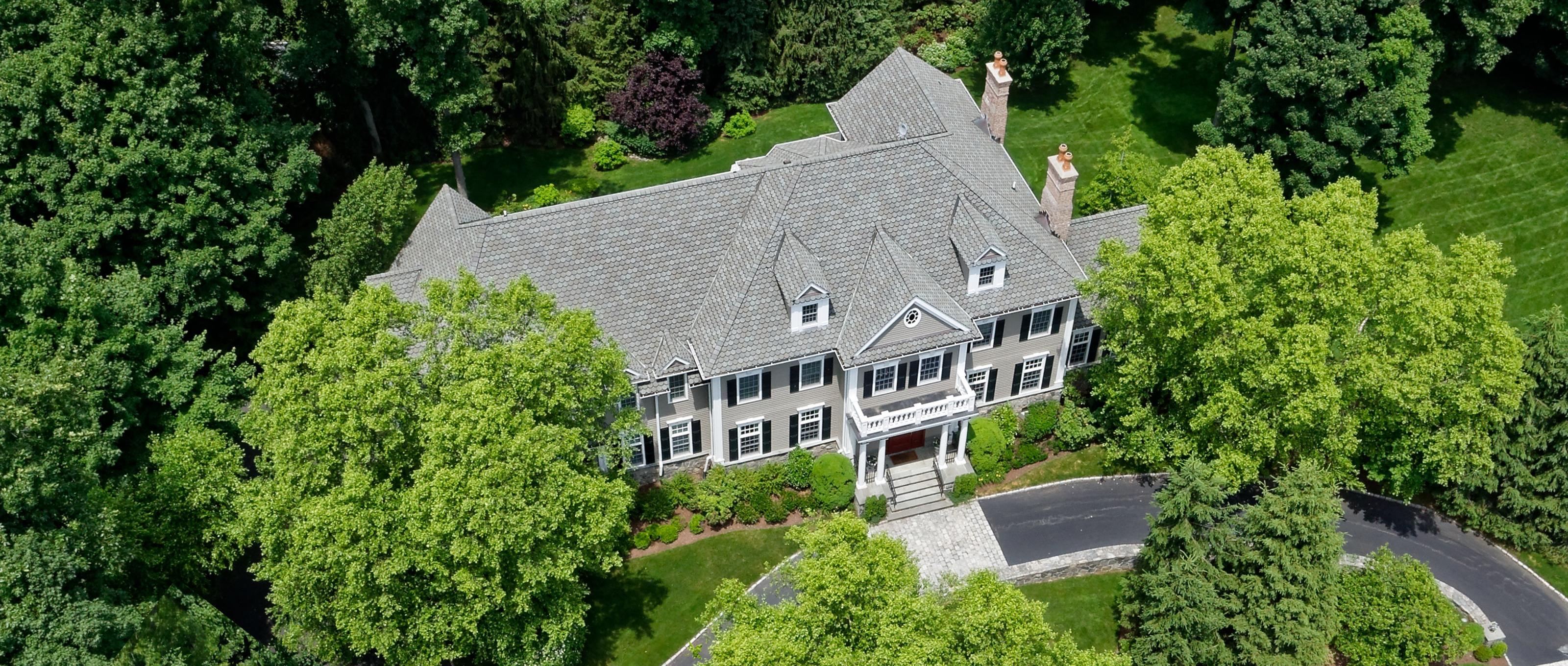 Villa per Vendita alle ore Classic Colonial 5 Hickory Pine Court Purchase, New York 10577 Stati Uniti