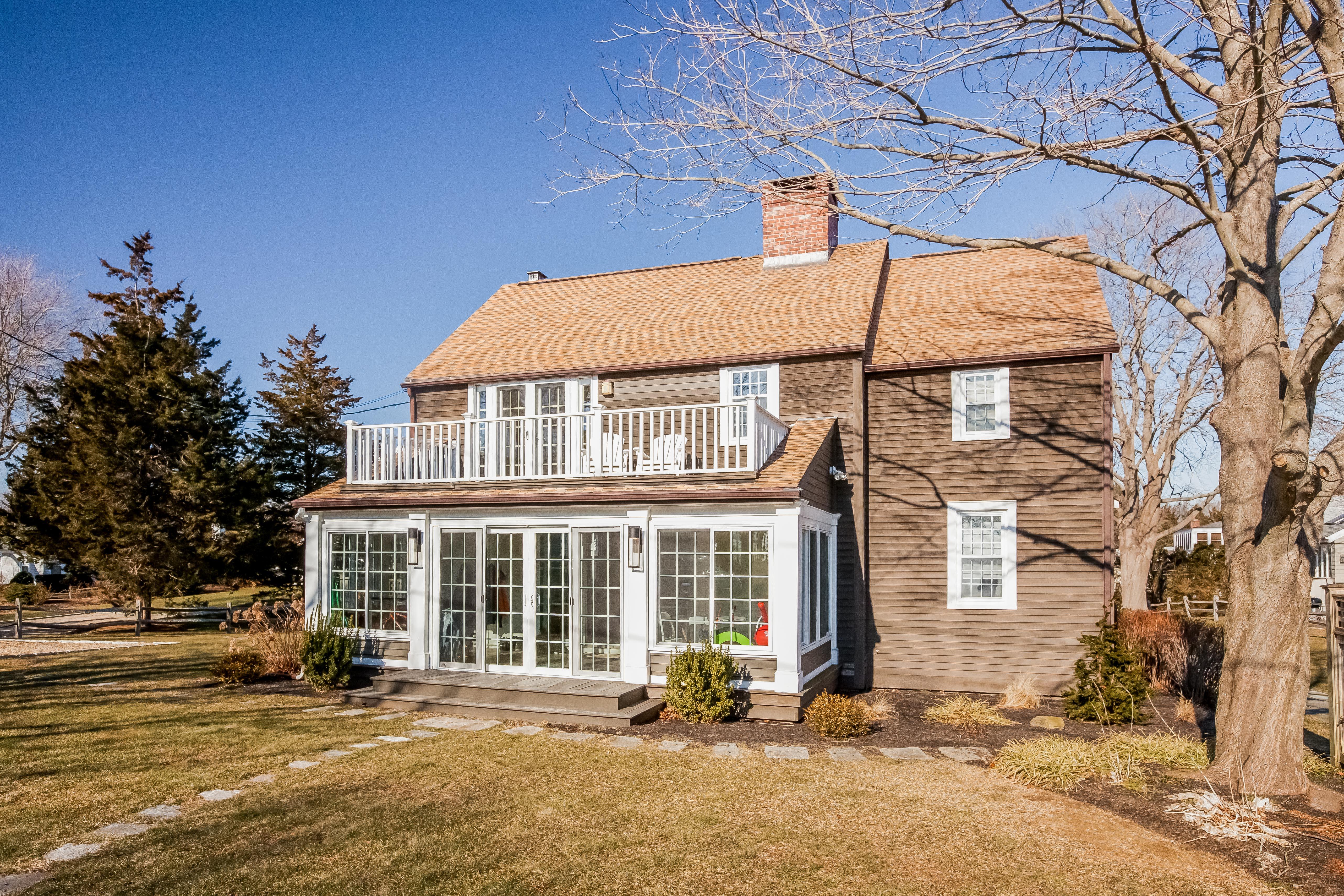Casa Unifamiliar por un Venta en 102 Hartford Ave Madison, Connecticut 06443 Estados Unidos
