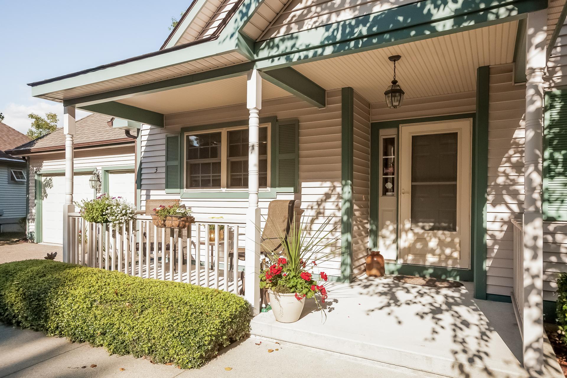 Einfamilienhaus für Verkauf beim Chapman Woods 3 Gardner Lane East Lyme, Connecticut 06357 Vereinigte Staaten