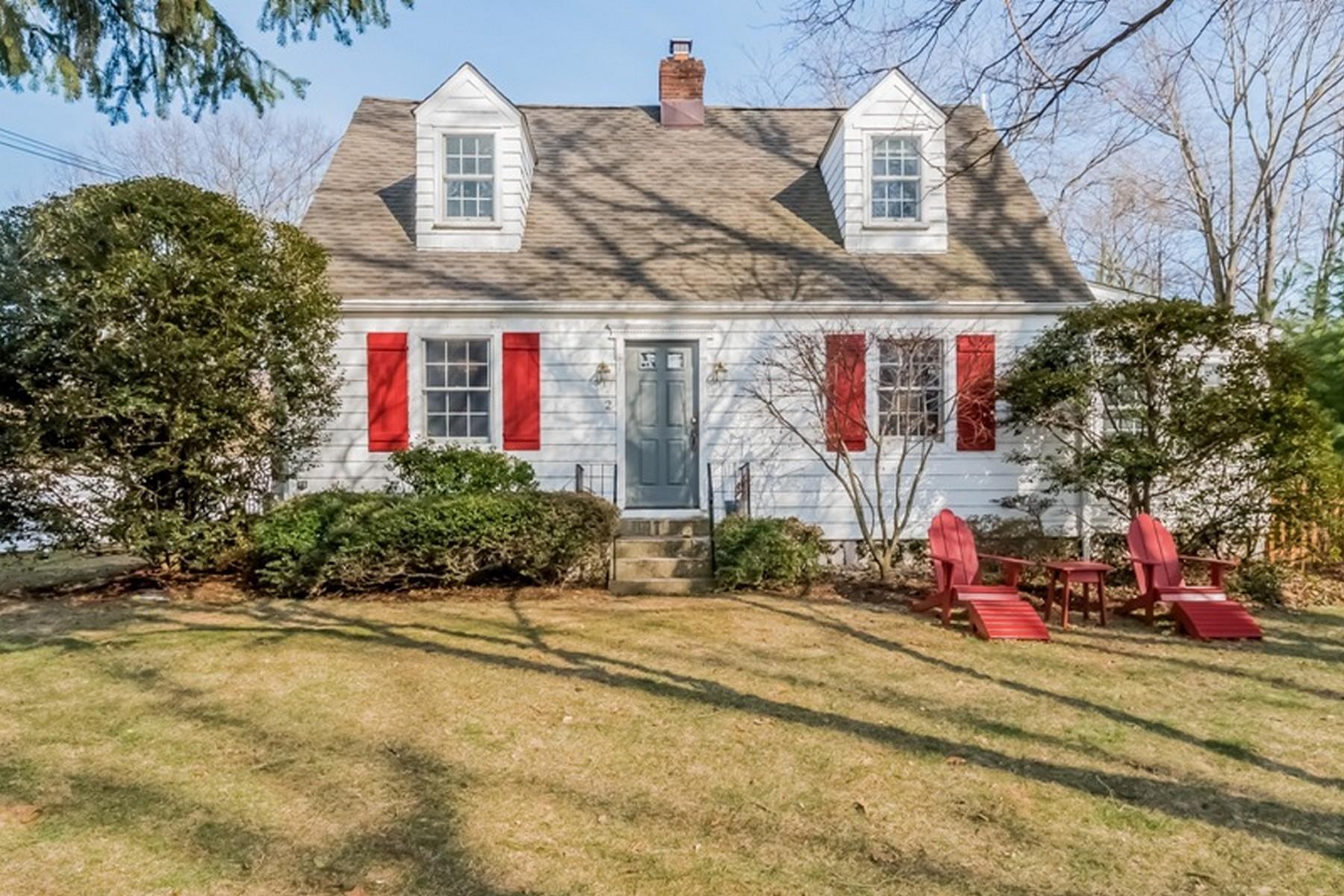 独户住宅 为 销售 在 Storybook Cape 2 Keyser Road Westport, 康涅狄格州 06880 美国