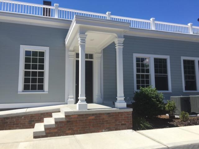 Nhà chung cư vì Bán tại 66 High St 66 High St 3 Guilford, Connecticut, 06437 Hoa Kỳ