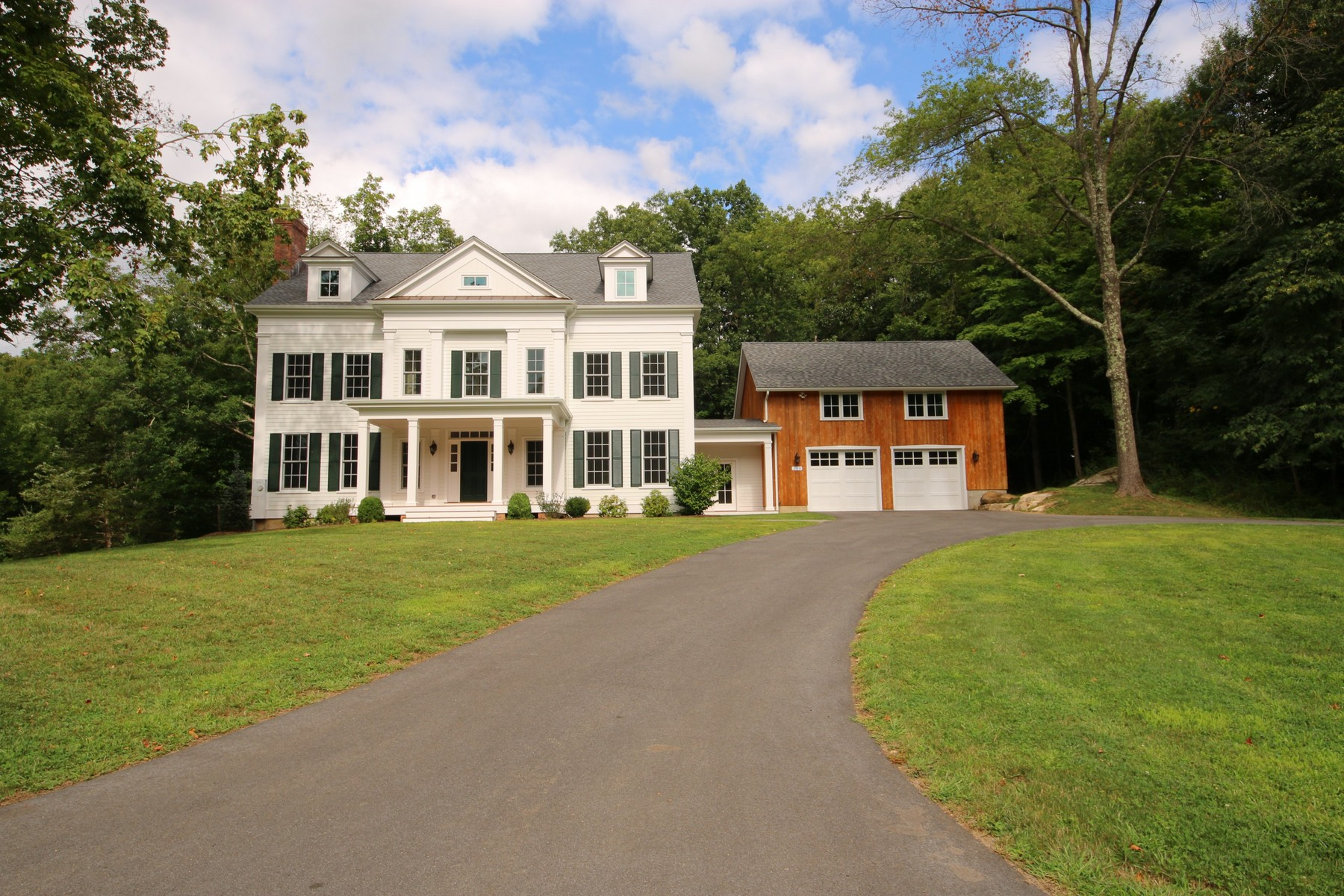 Casa Unifamiliar por un Venta en Bennetts Meadow New Subdivision 229 Bennetts Farm Road Ridgefield, Connecticut, 06877 Estados Unidos