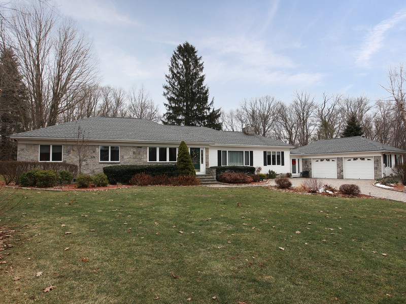Single Family Home for Sale at One Level Living 89 Gillotti Road New Fairfield, Connecticut 06812 United States