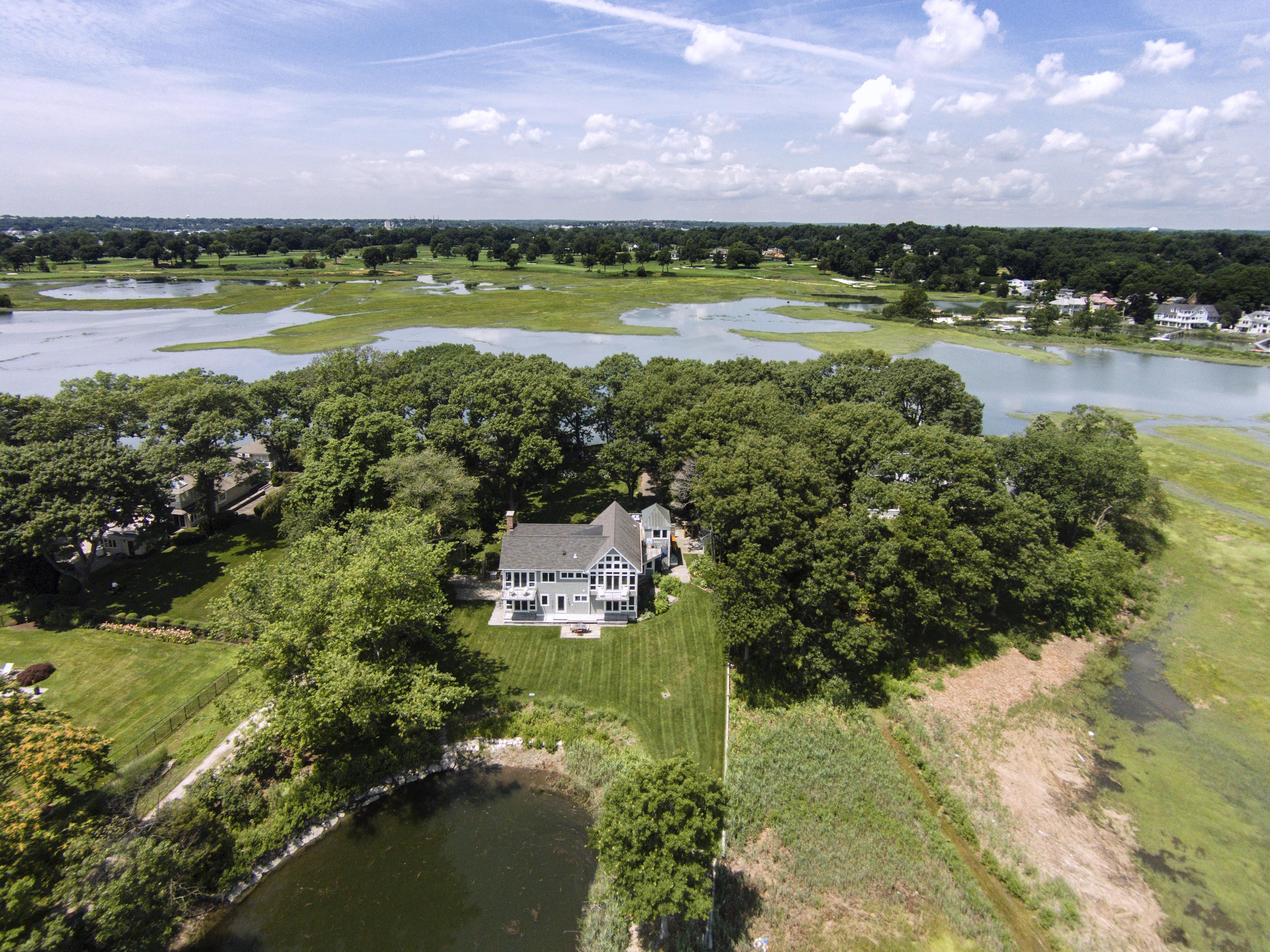Casa para uma família para Venda às 52 Shorehaven Road Westport, Connecticut 06880 Estados Unidos