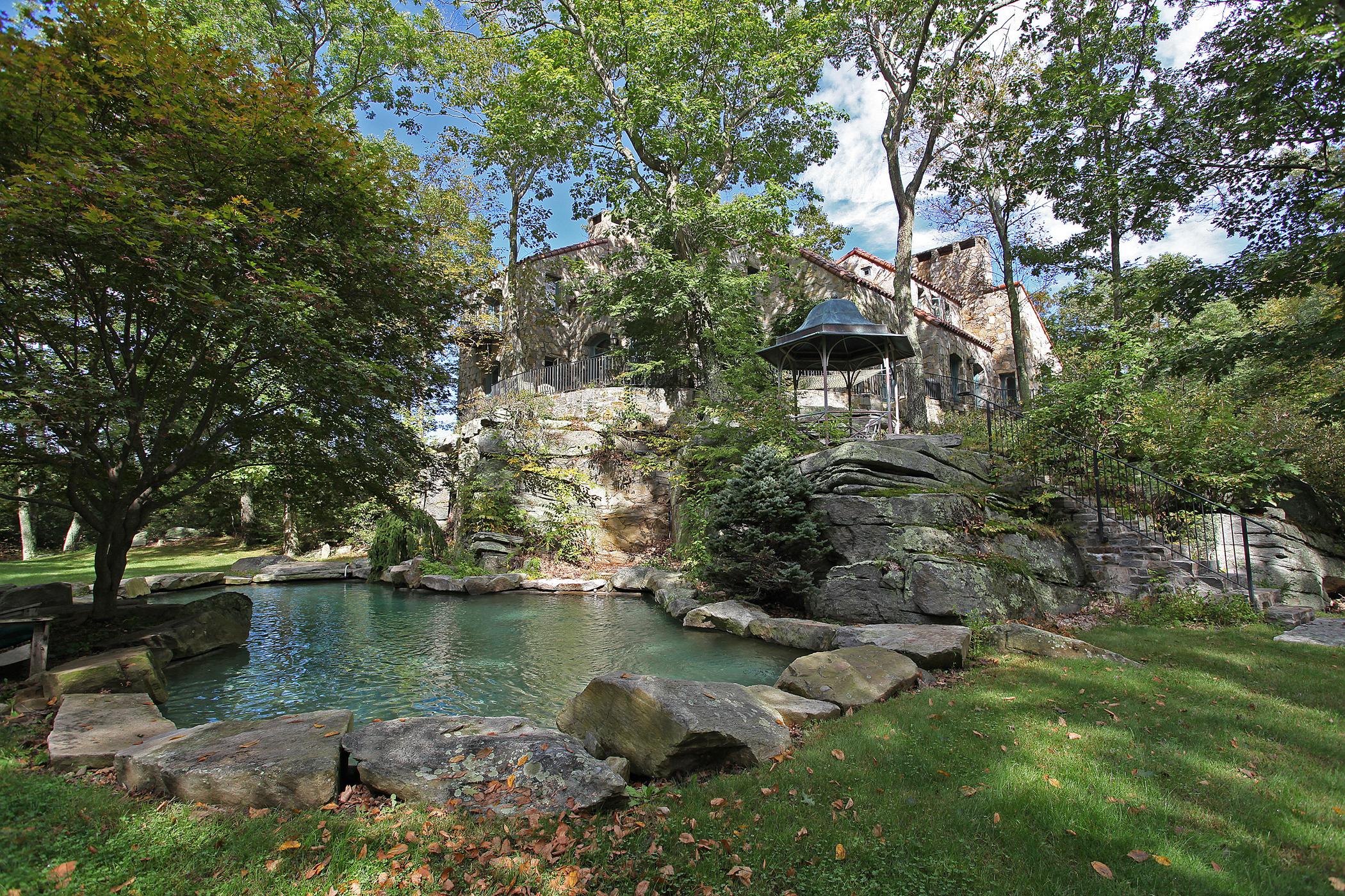 Casa Unifamiliar por un Venta en On the Rocks 78 Sentry Hill Rd Roxbury, Connecticut 06783 Estados Unidos