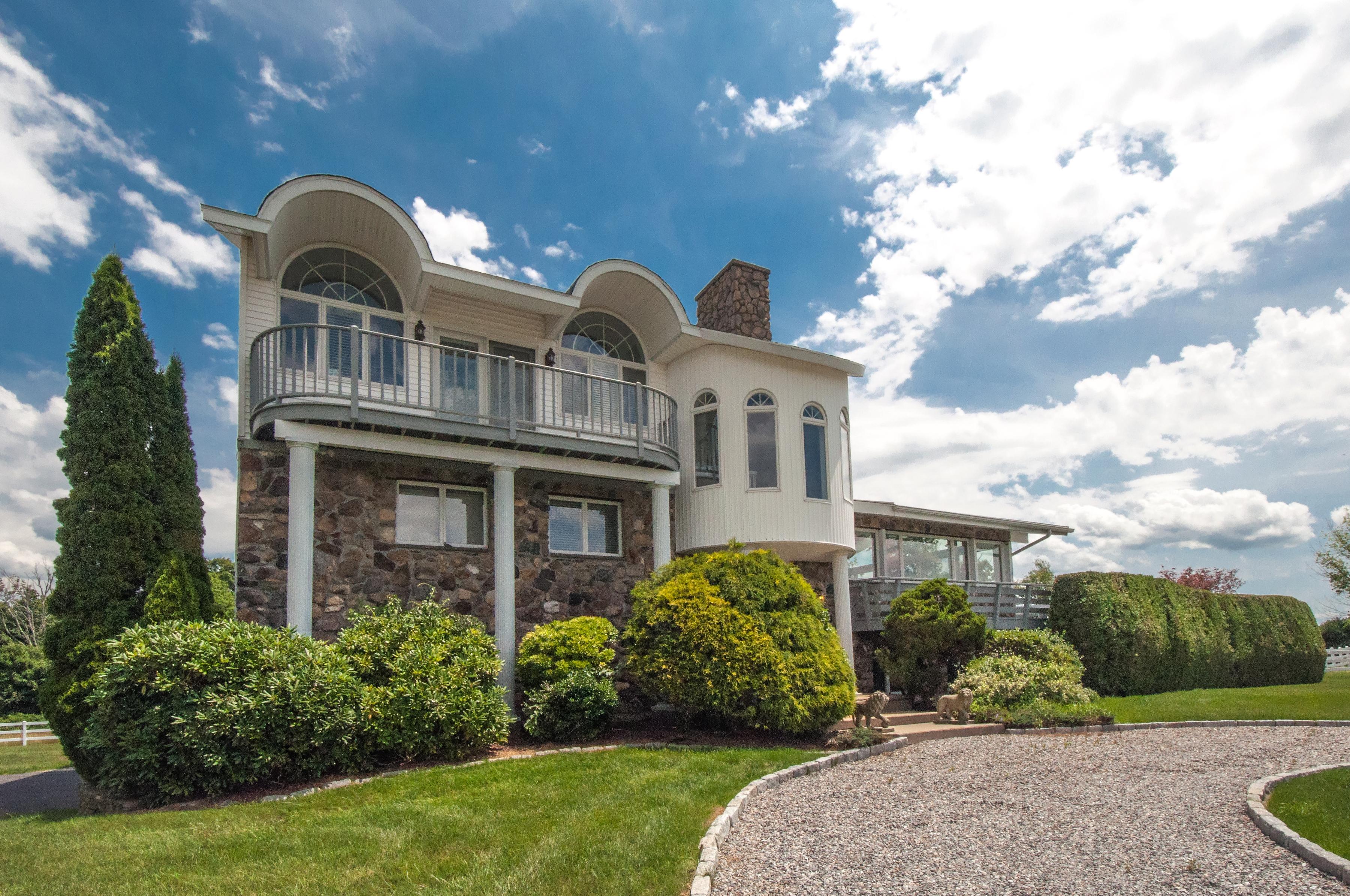 Maison unifamiliale pour l Vente à Willow Vista 86 Fern Ave Litchfield, Connecticut, 06759 États-Unis