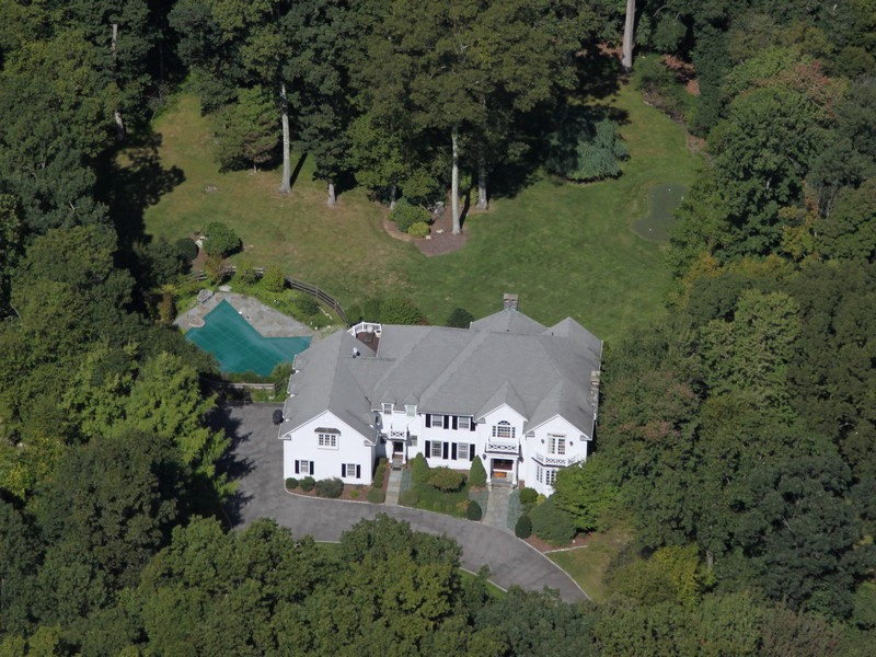 Single Family Home for Sale at Exquisite Colonial with Pool 50 Cattle Pen Lane Ridgefield, Connecticut 06877 United States