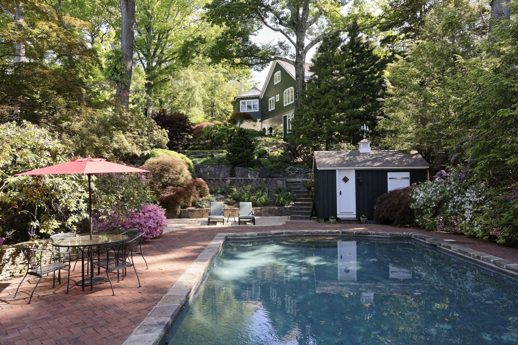 Villa per Vendita alle ore Spectacular Hudson River views 148 Tower Hill Road Briarcliff Manor, New York 10510 Stati Uniti