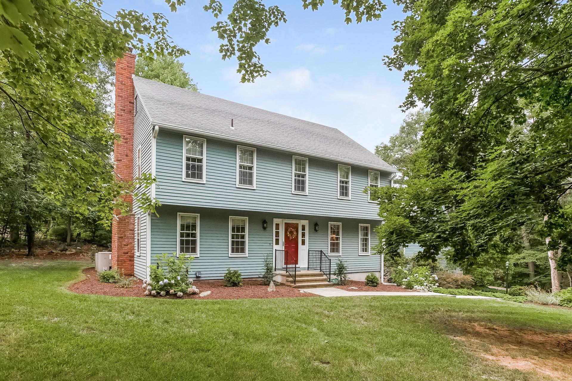 Vivienda unifamiliar por un Venta en 221 White Birch Dr Guilford, Connecticut 06437 Estados Unidos