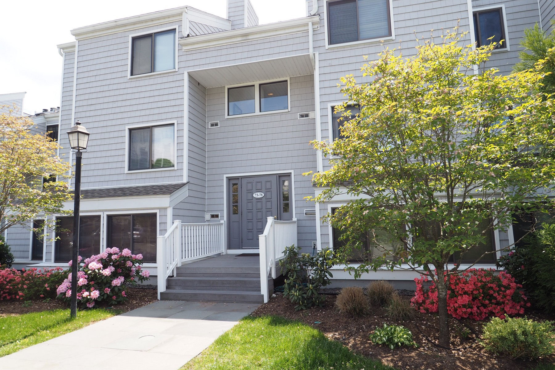 Appartement en copropriété pour l Vente à Rowayton Woods 75 Rowayton Woods Drive 75 Norwalk, Connecticut, 06854 États-Unis