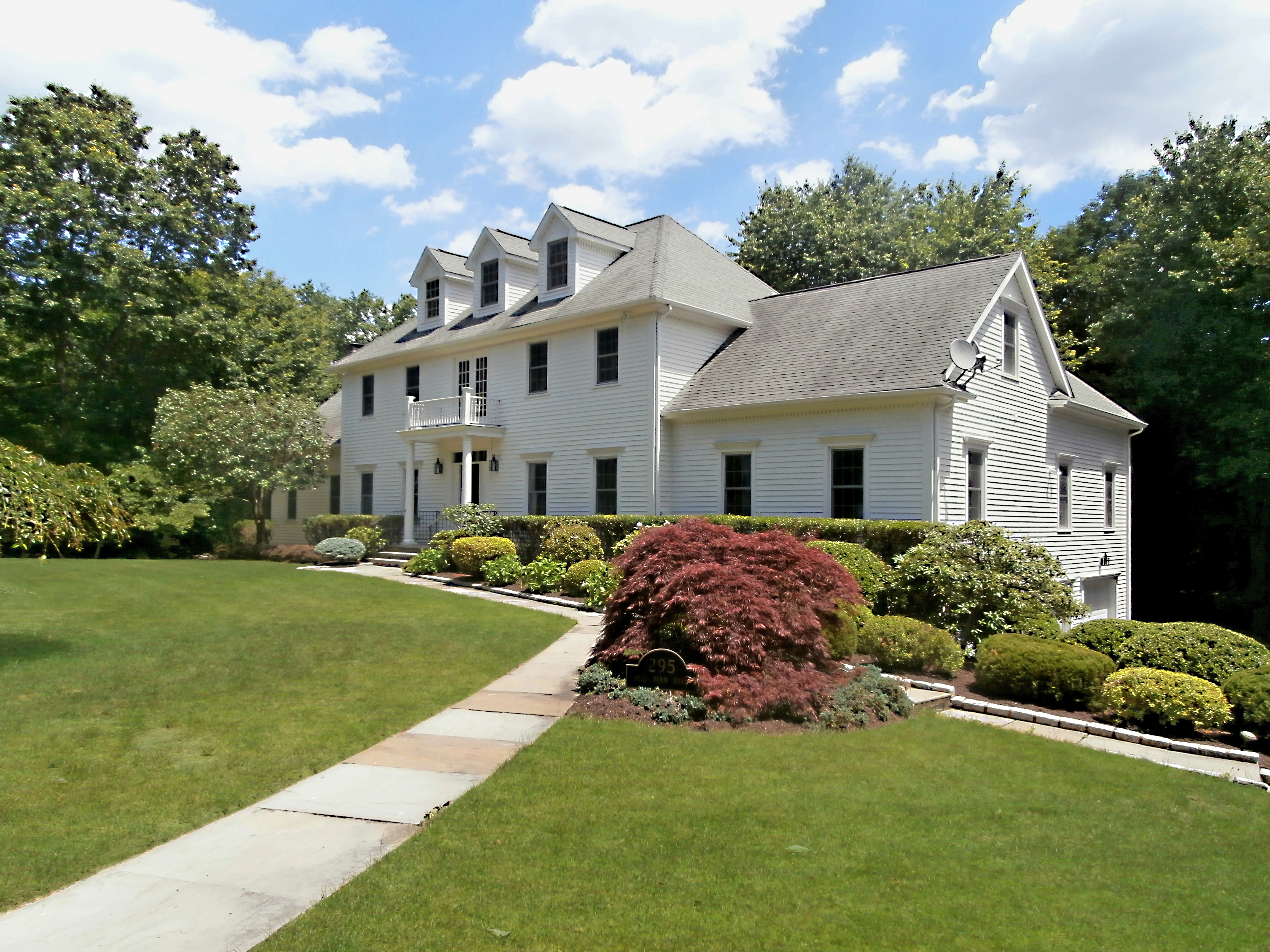 Single Family Home for Sale at Stately Georgian 295 Hill Farm Road Fairfield, Connecticut, 06824 United States