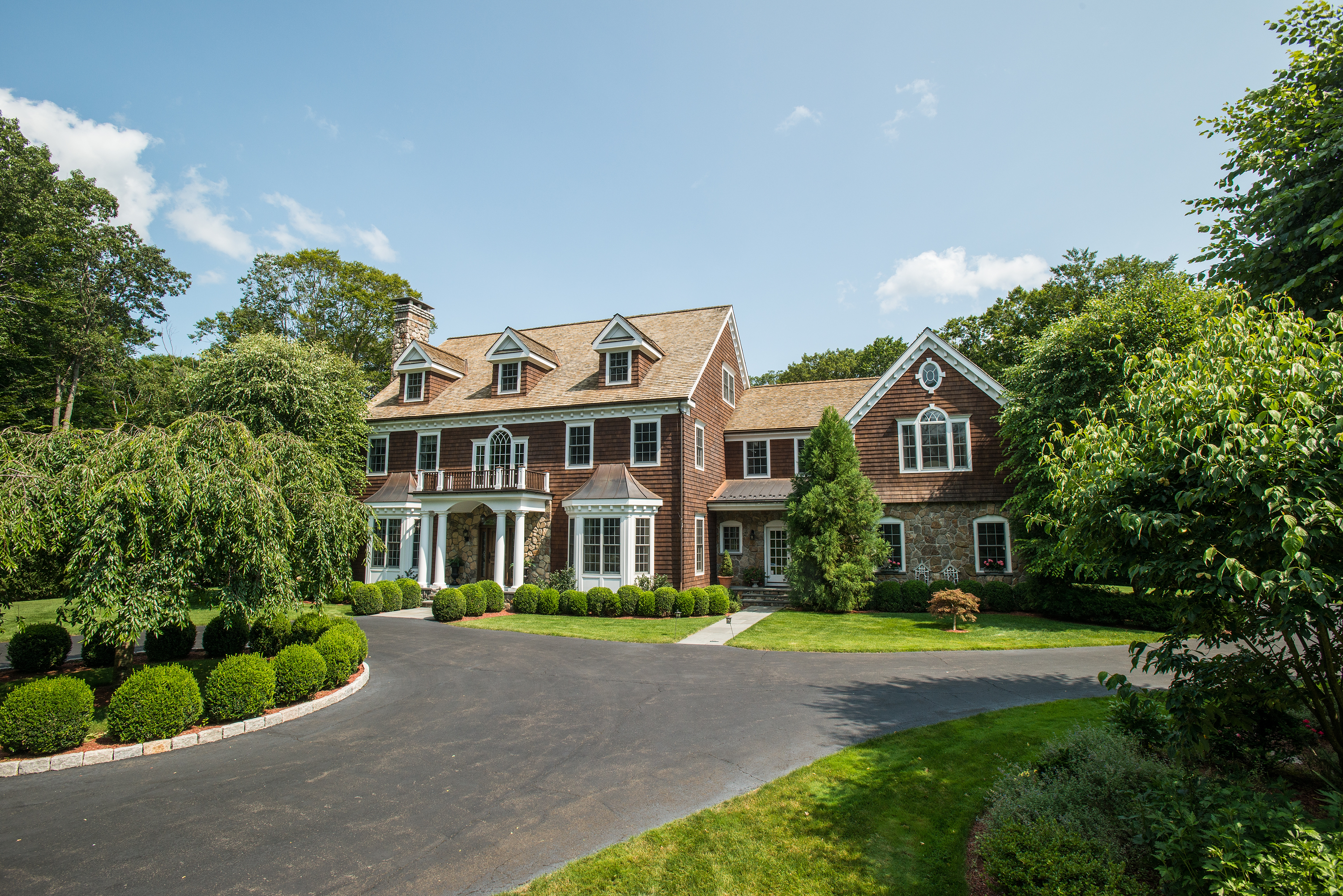 Property For Sale at Master Craftsmanship with Impressive Architecture
