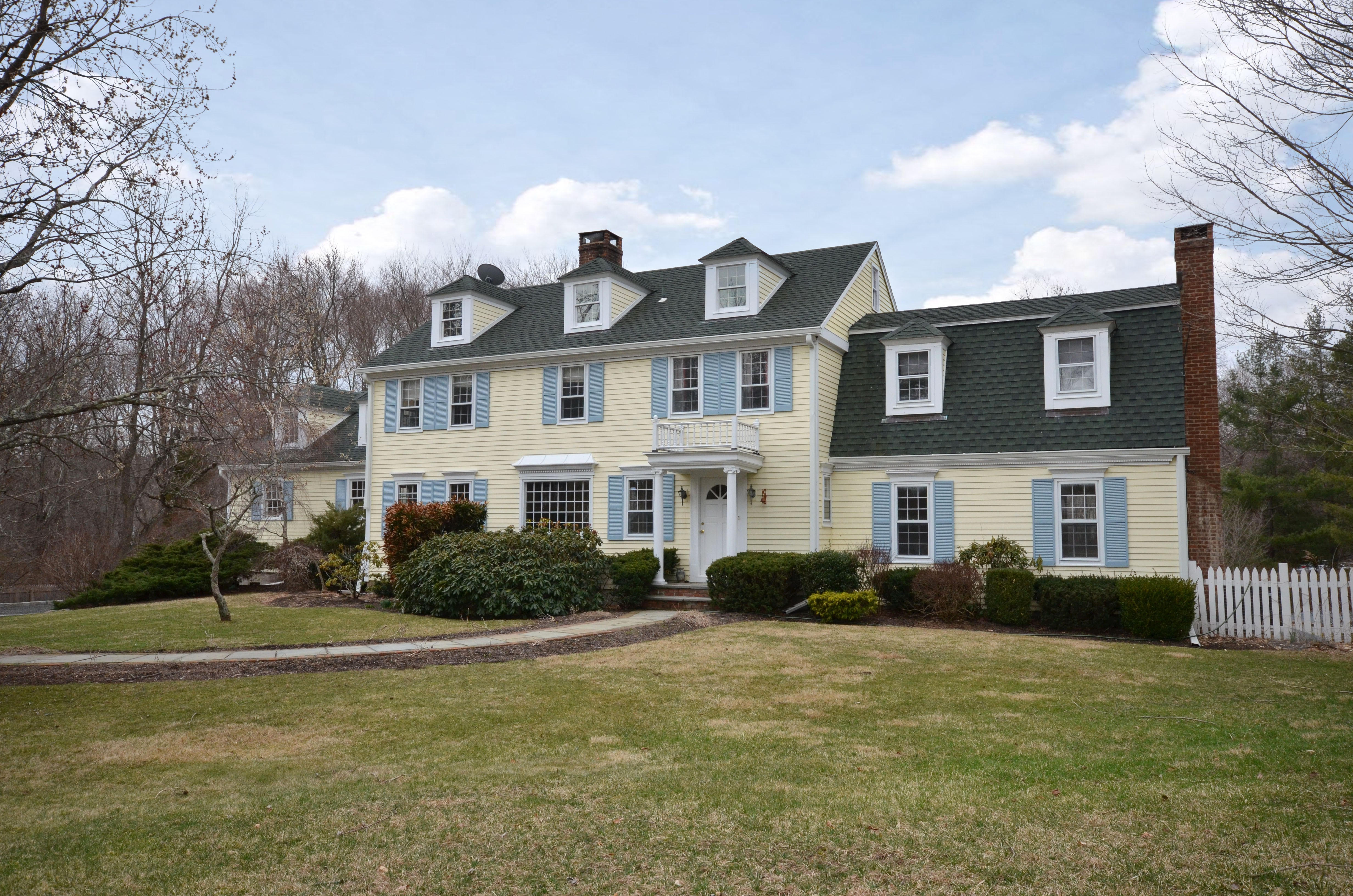 Single Family Home for Sale at Classic 5 Bedroom Colonial 701 Ridgefield Road Wilton, Connecticut 06897 United States