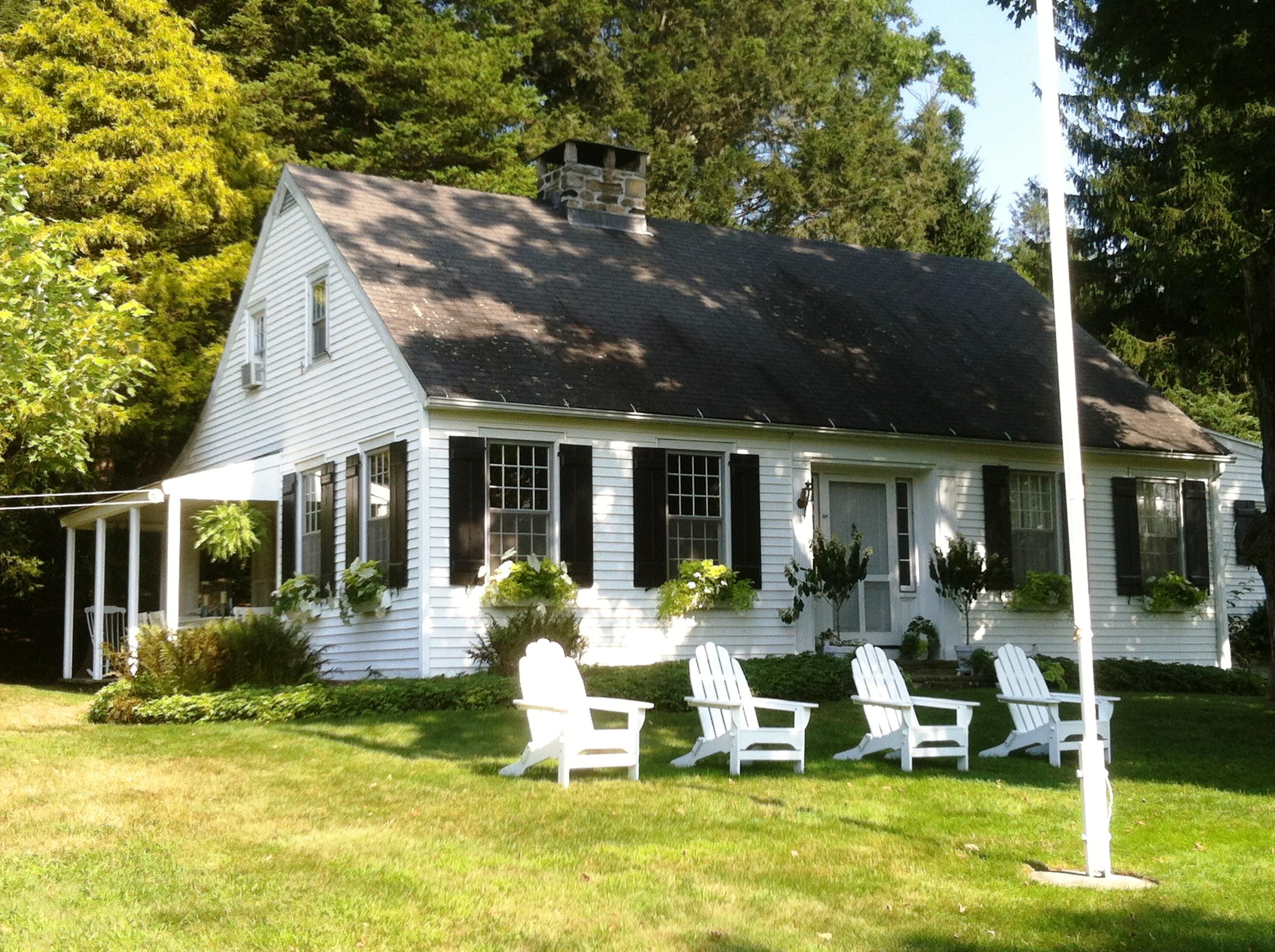 Casa Unifamiliar por un Venta en Orchard Cottage 146 Wykeham Rd Washington, Connecticut 06793 Estados Unidos